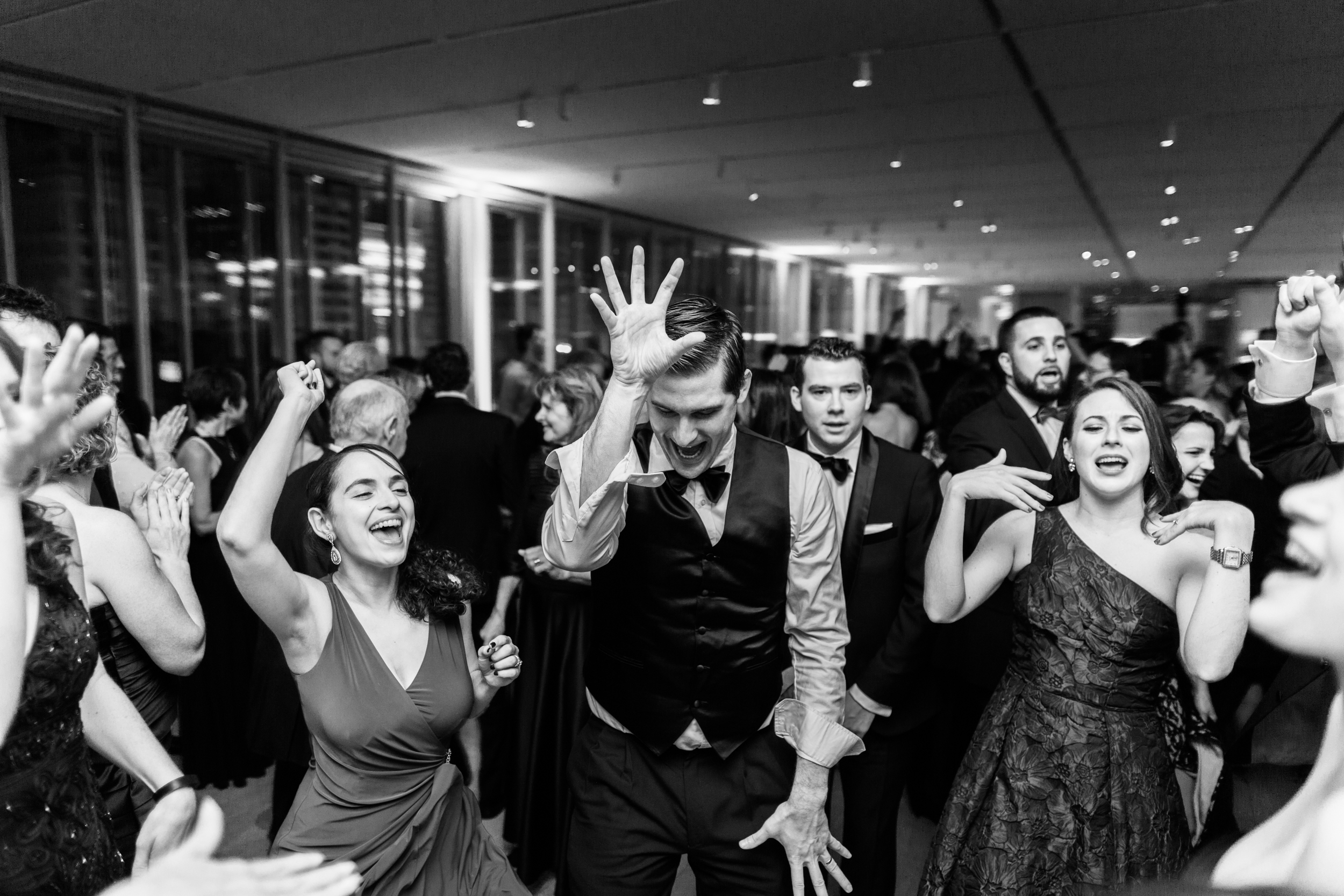 wedding reception at the art institute of chicago.jpg