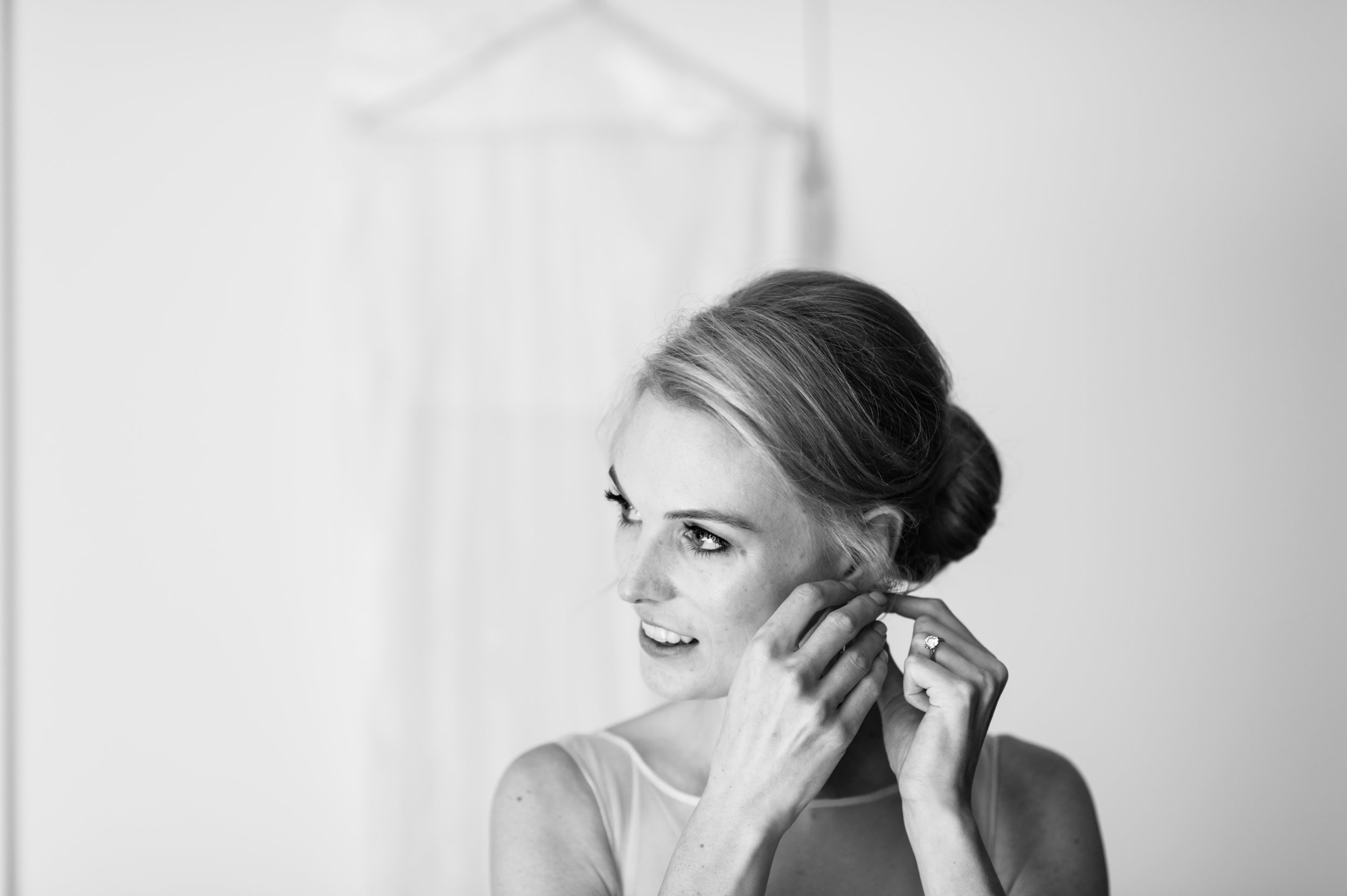 bride getting ready wedding photography