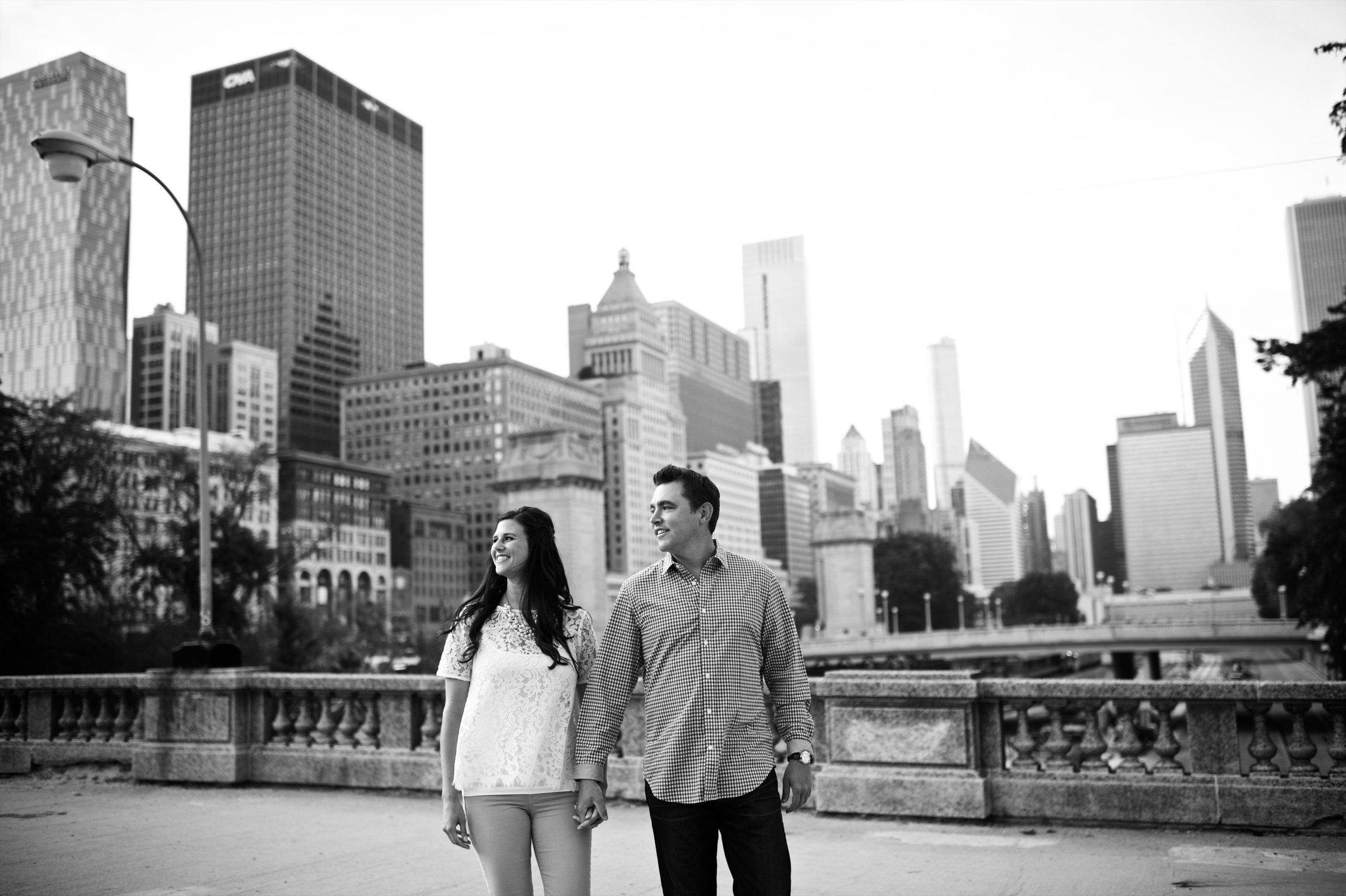 engagement photos chicago skyline