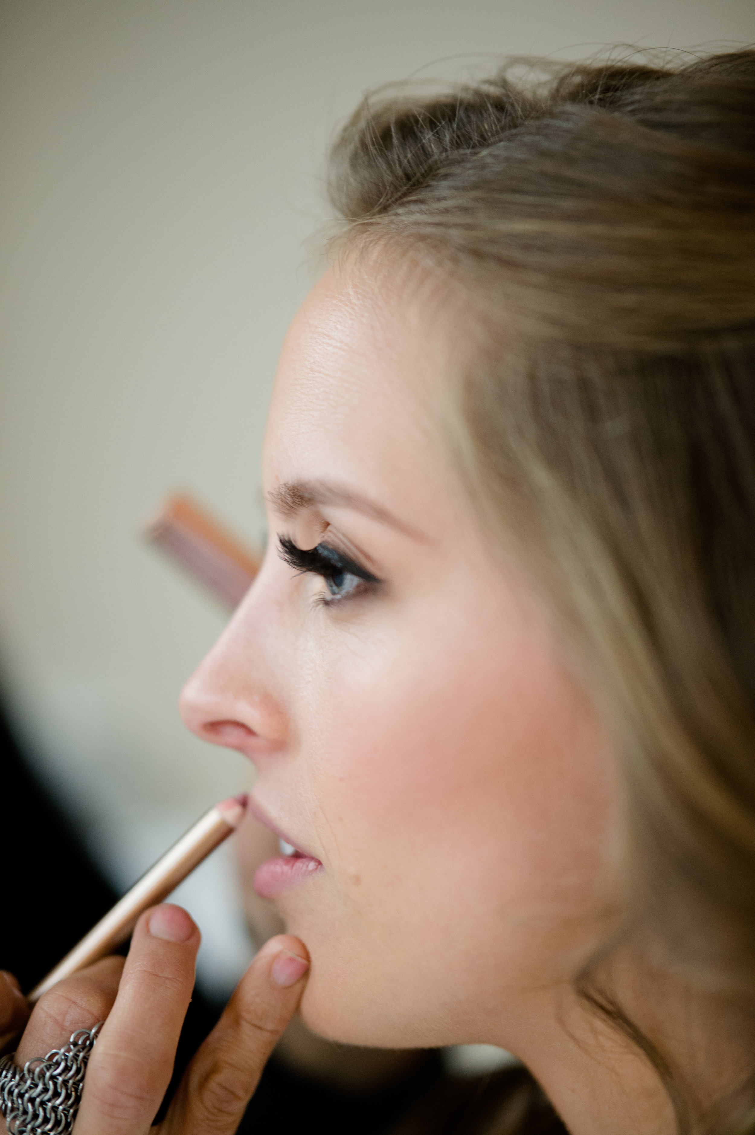 bride getting ready at Langham Chicago