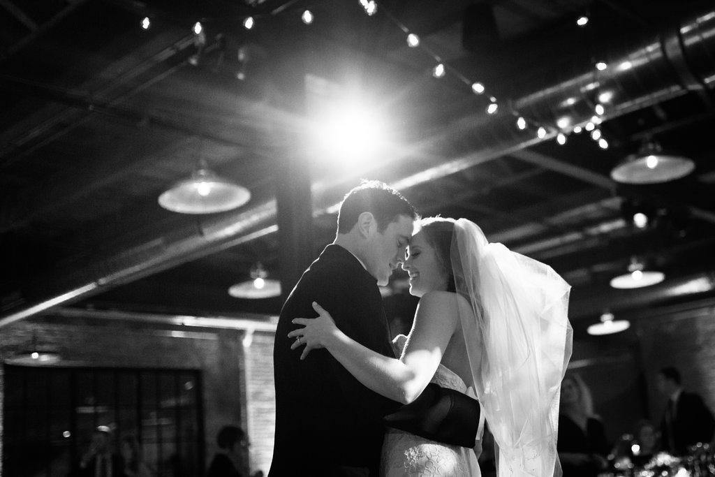 chicago-wedding-morgan-manufacturing-75.jpg
