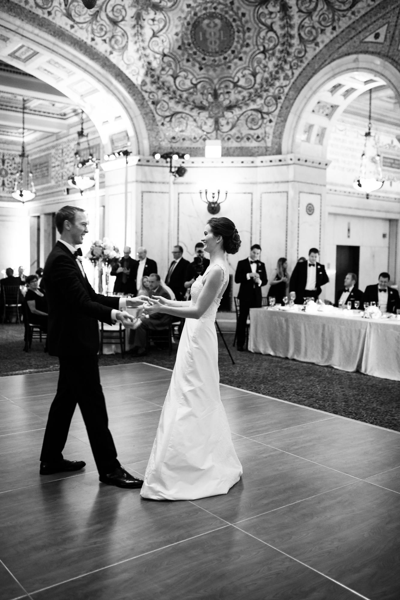 Documentary wedding photography at Chicago Cultural Center
