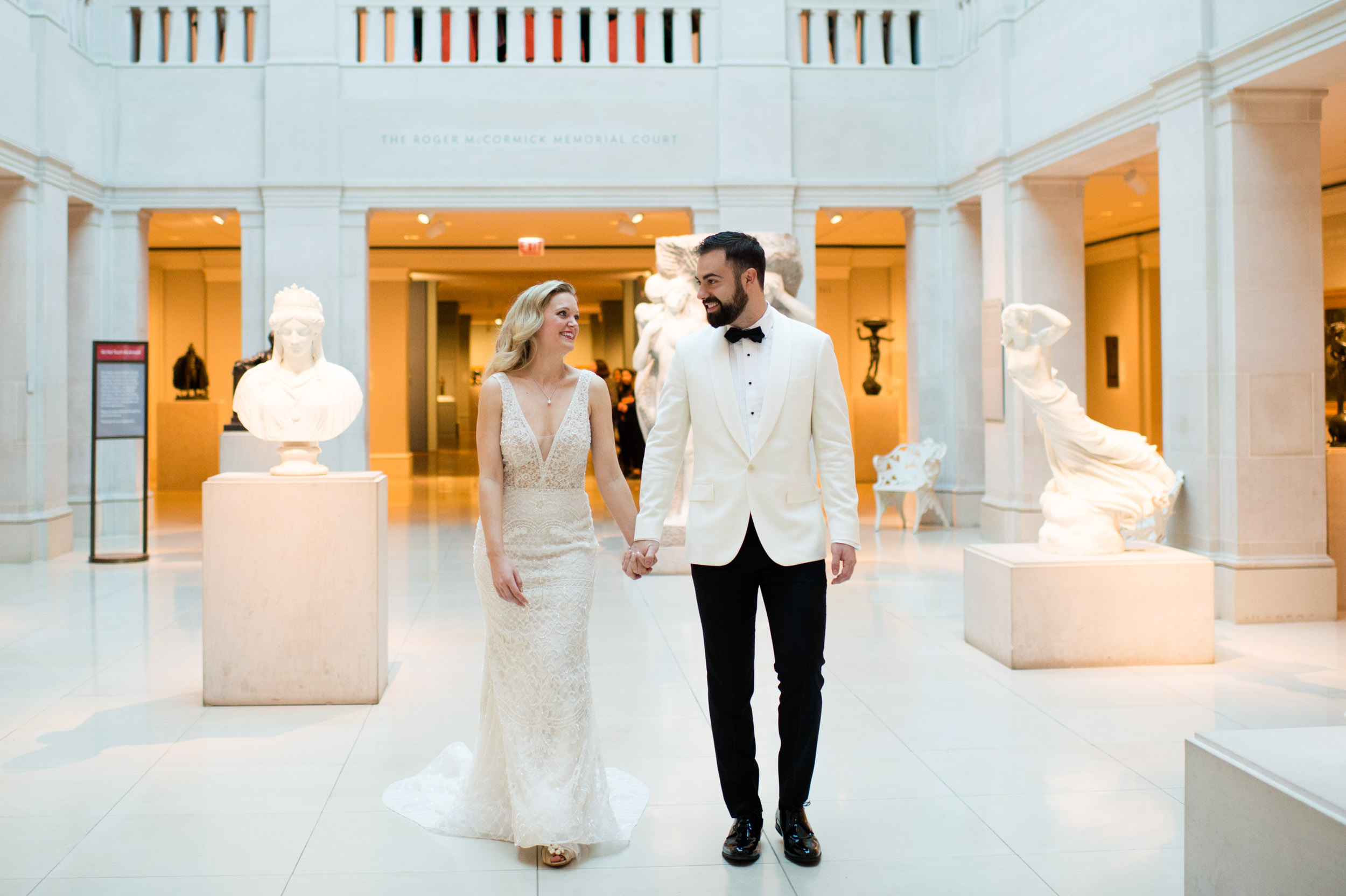 Wedding portraits at Art Institute of Chicago