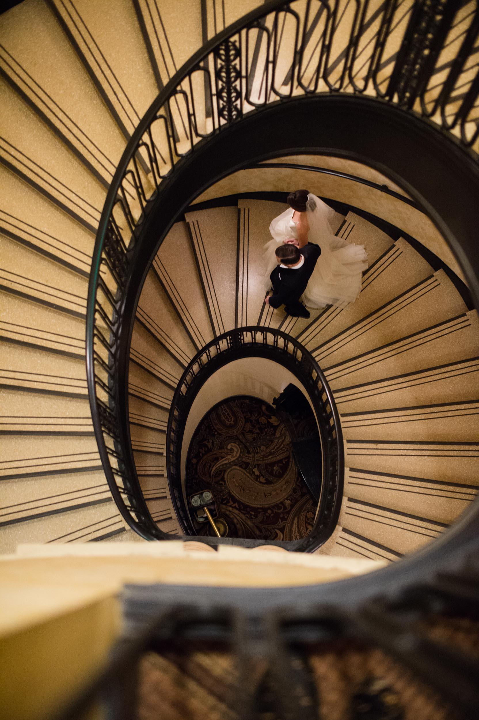 Chicago spiral staircase wedding photos