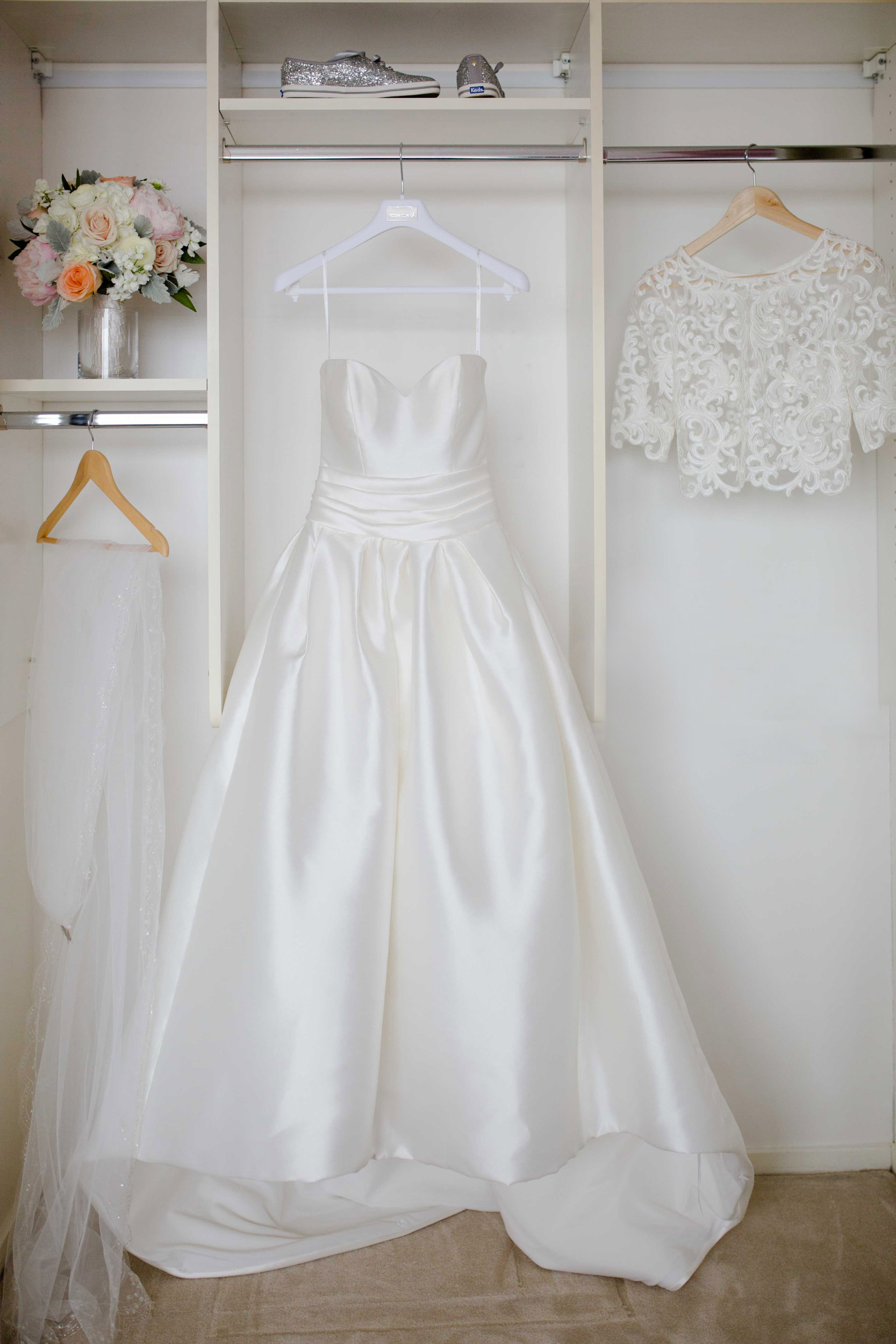 Wedding gown and accessories for Art Institute of Chicago wedding.