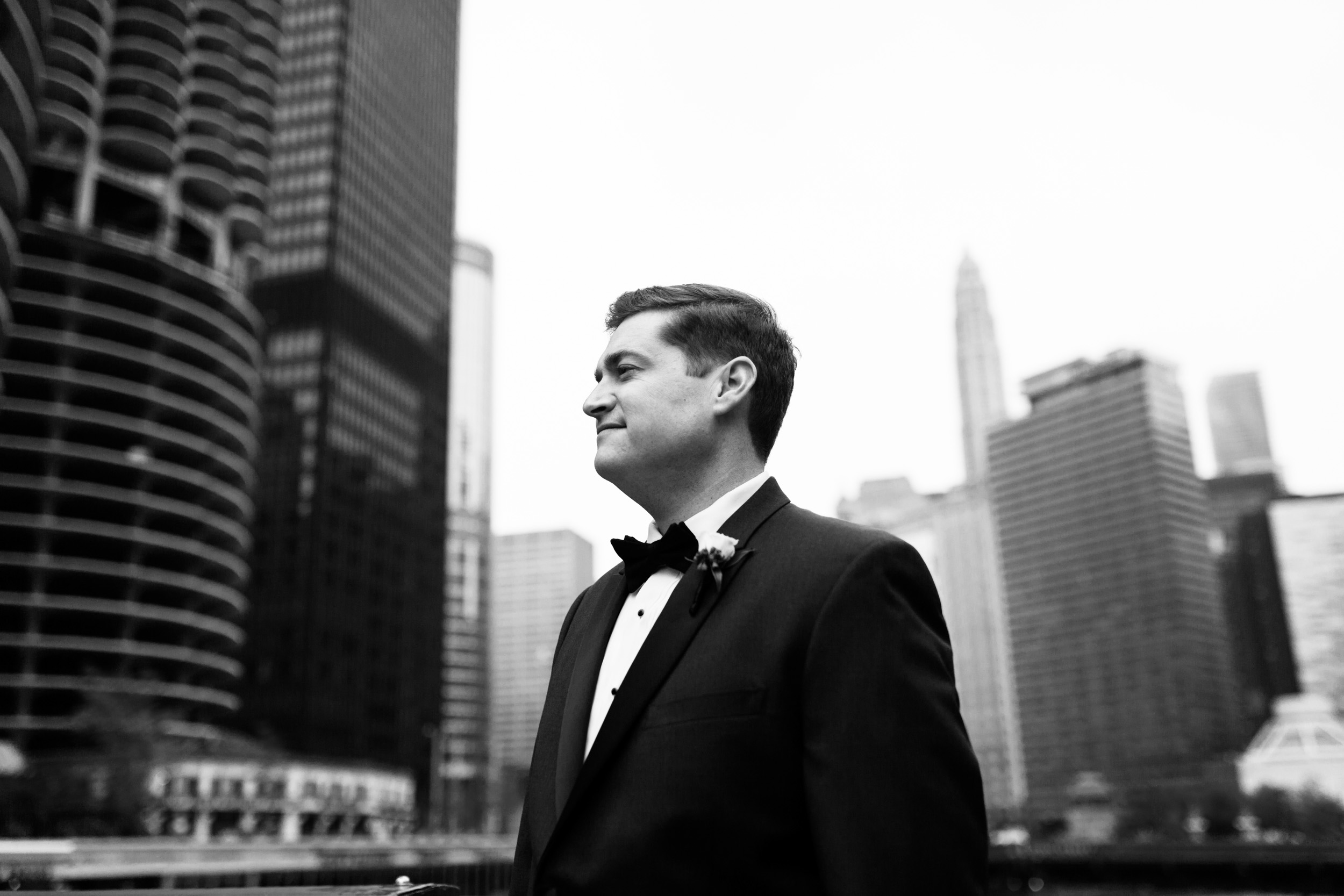Groom portrait in downtown Chicago before wedding at the Ivy Room