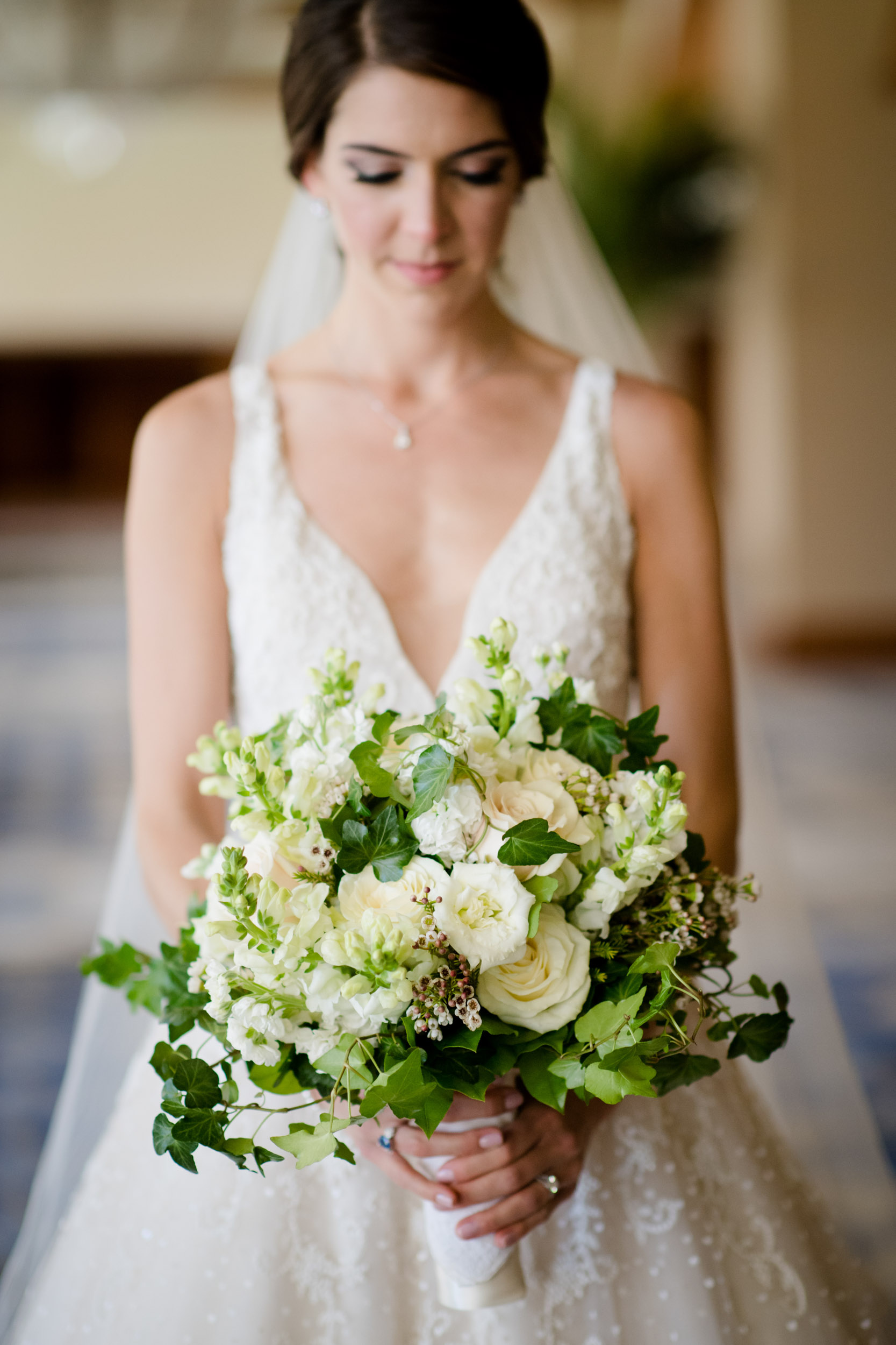 Bridal florals at summer wedding in Chicago.