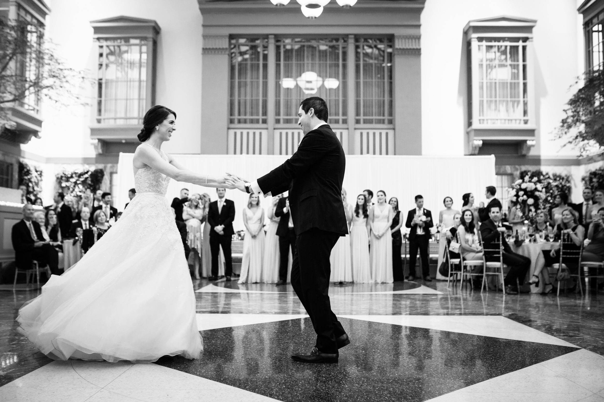 harold-washington-library-wedding-photos-43.jpg