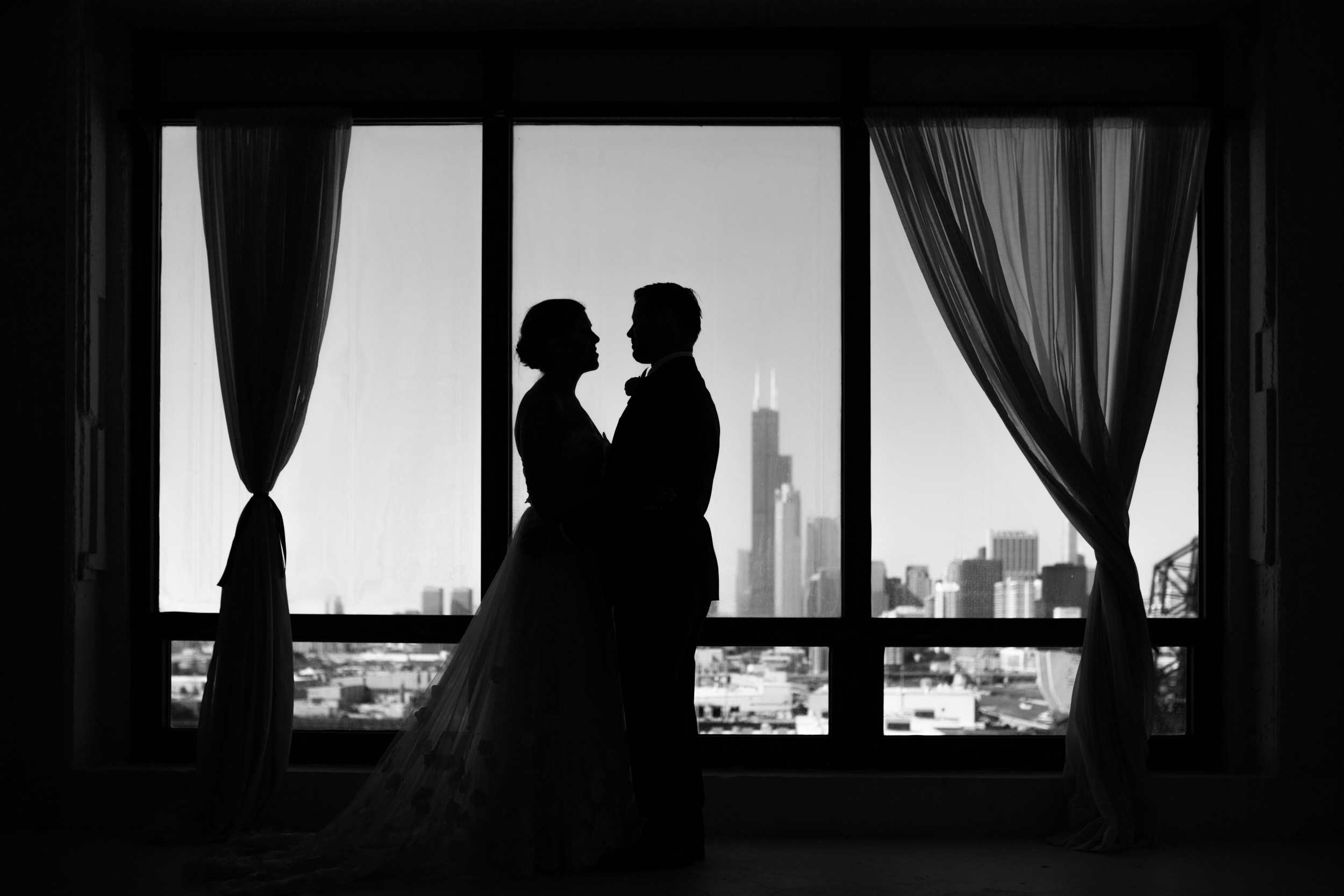 chicago-illuminating-wedding-photos-15.jpg