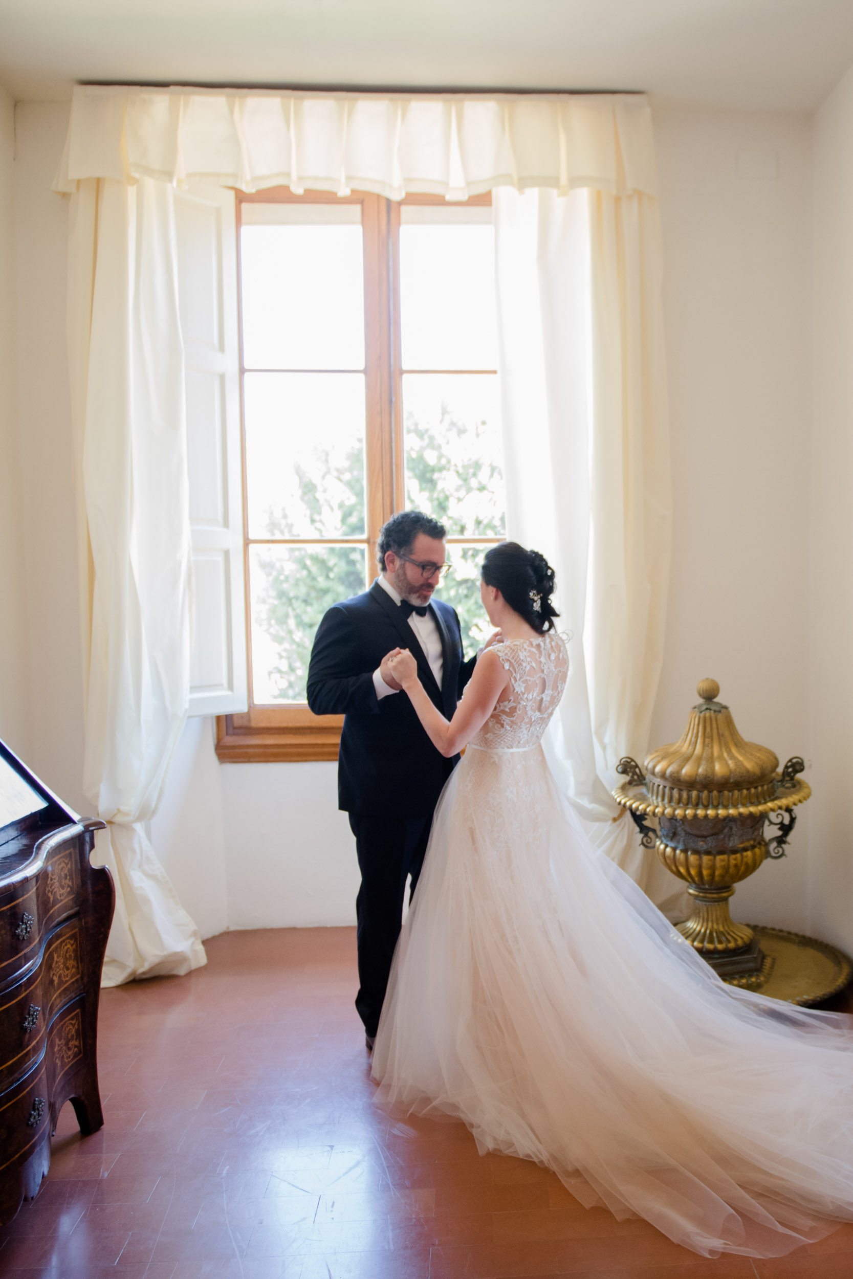villa-gamberaia-florence-italy-destination-wedding-16.jpg