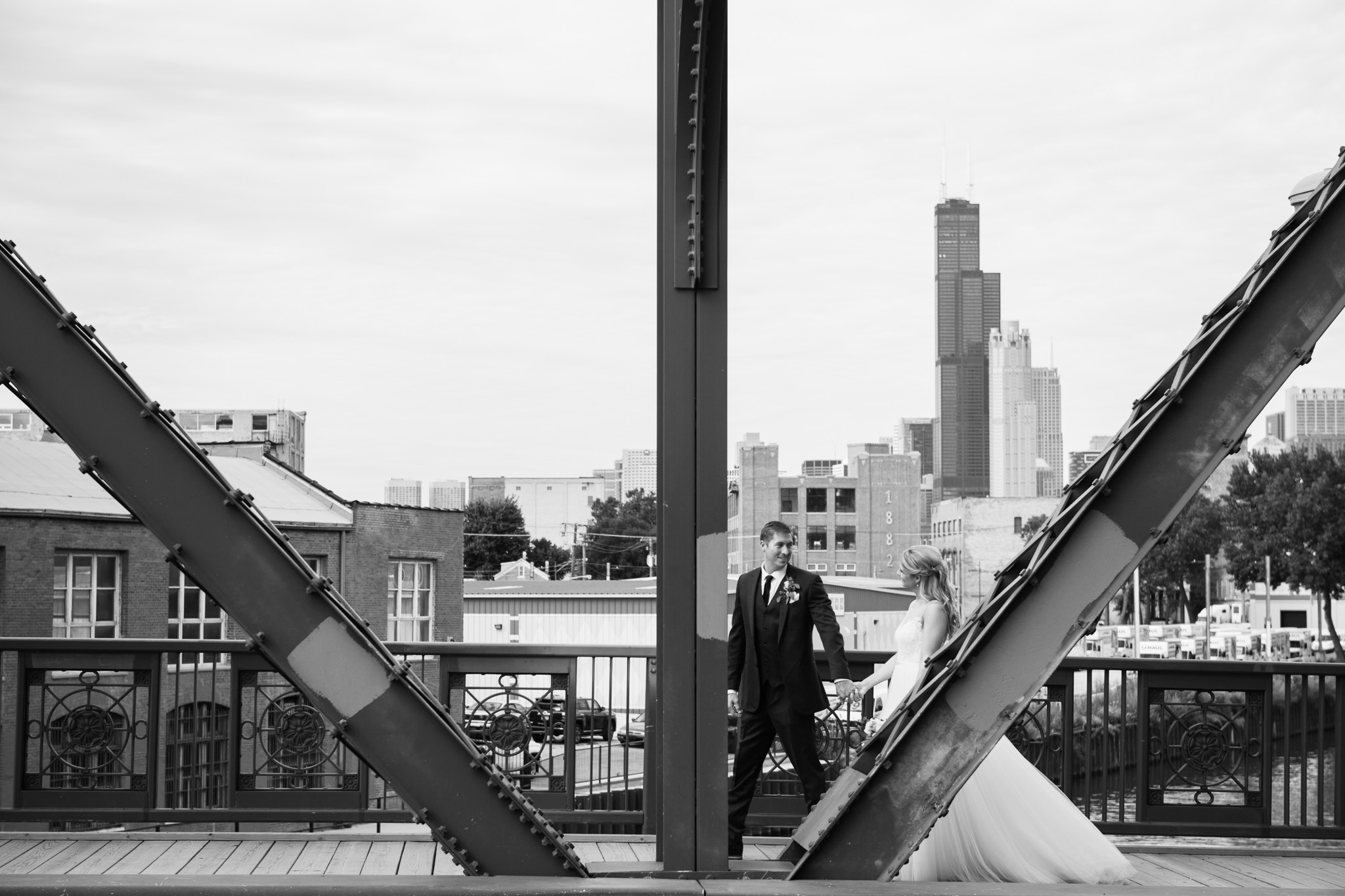 bridgeport-art-center-wedding-photos-18.jpg