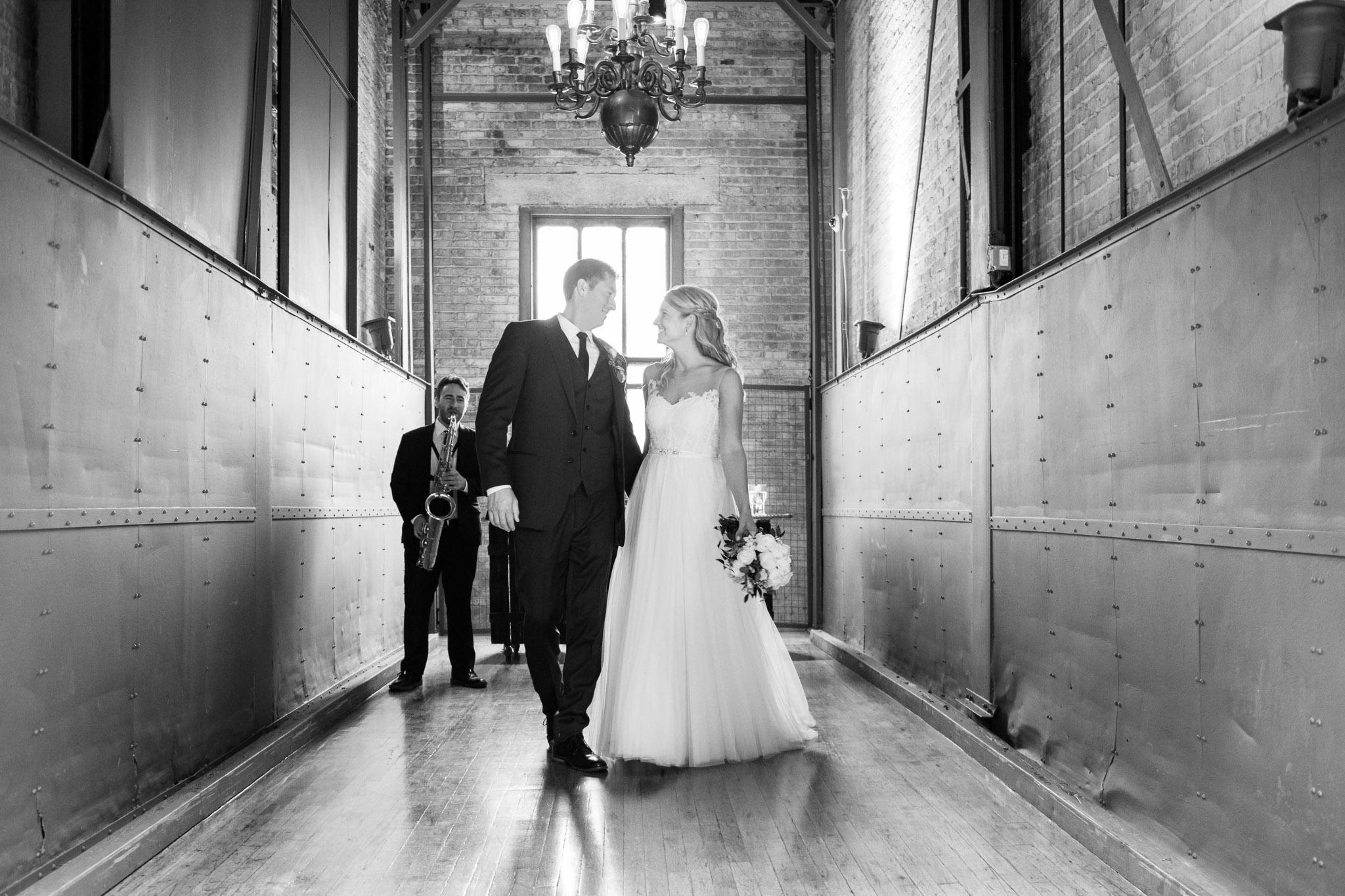 bridgeport-art-center-wedding-photos-19.jpg