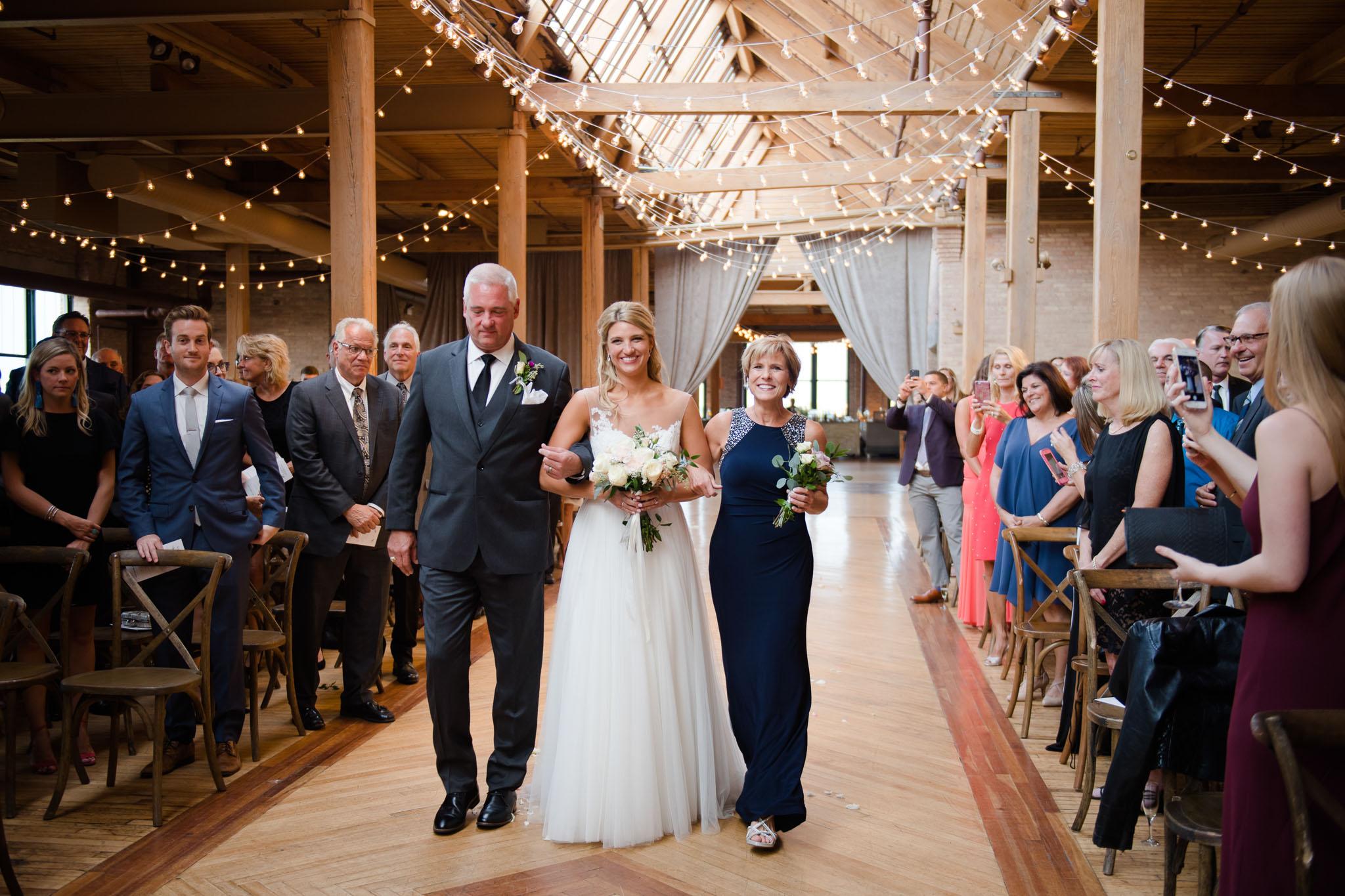 bridgeport-art-center-wedding-photos-20.jpg
