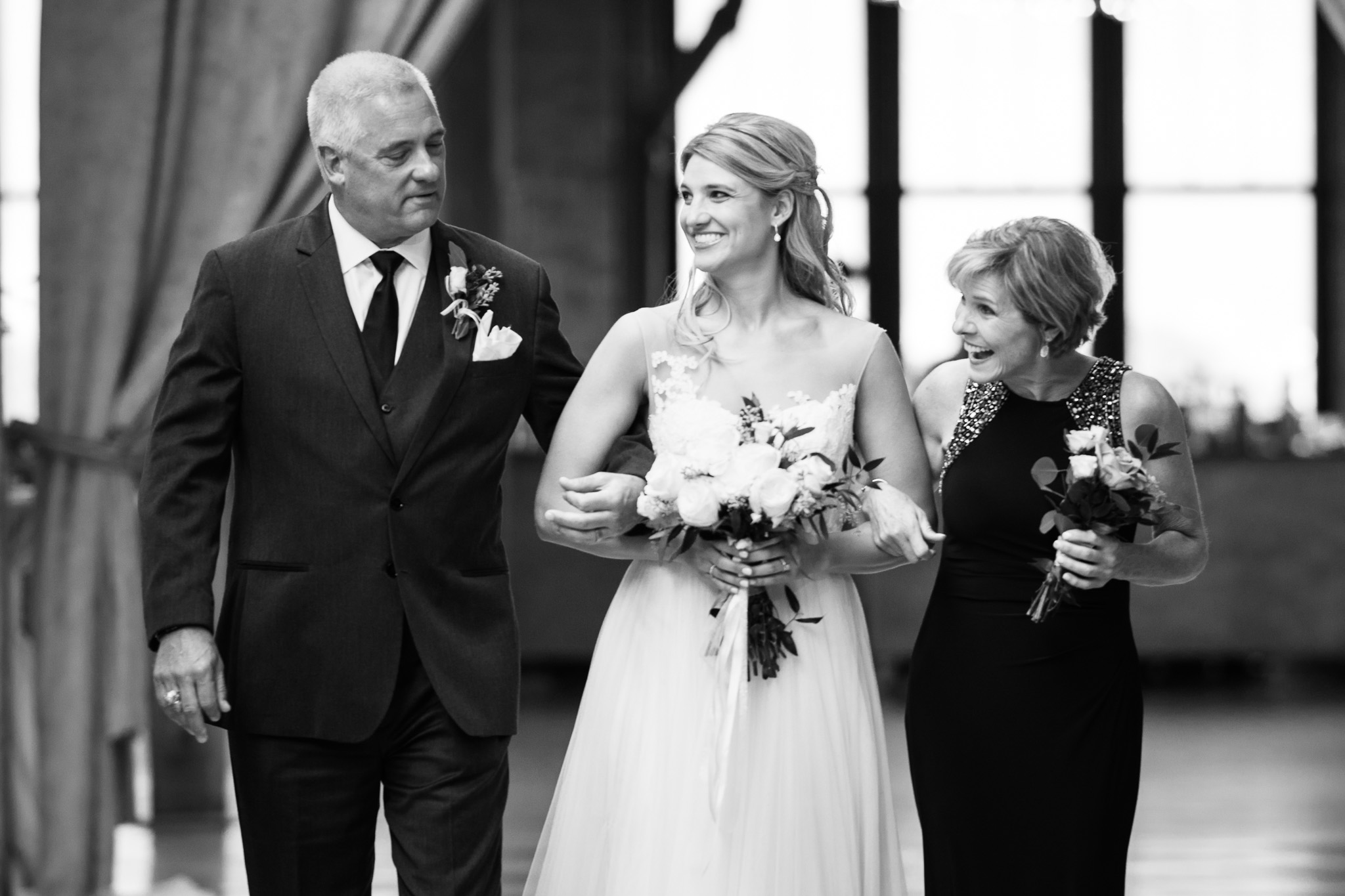 bridgeport-art-center-wedding-photos-21.jpg