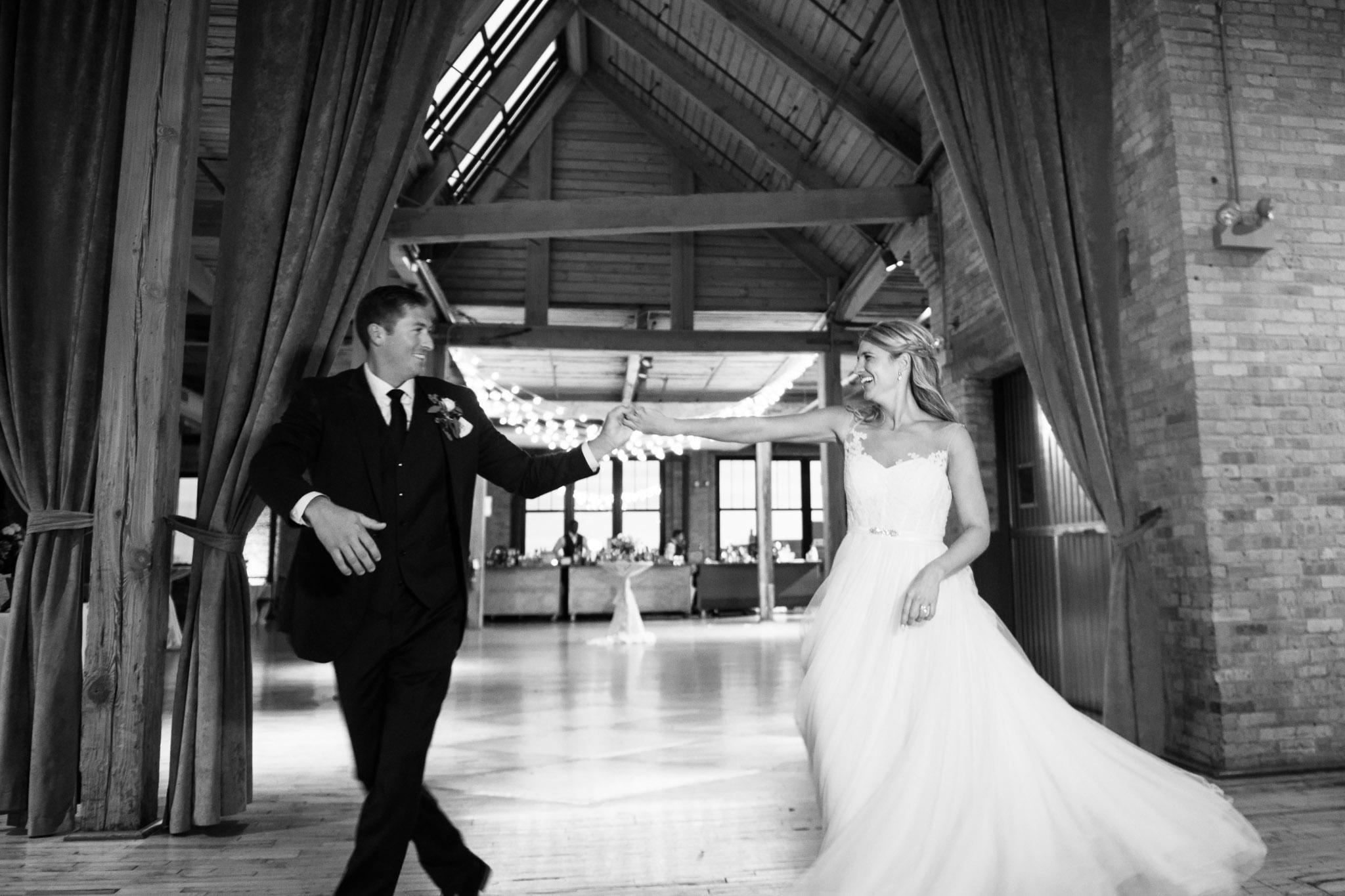 bridgeport-art-center-wedding-photos-33.jpg