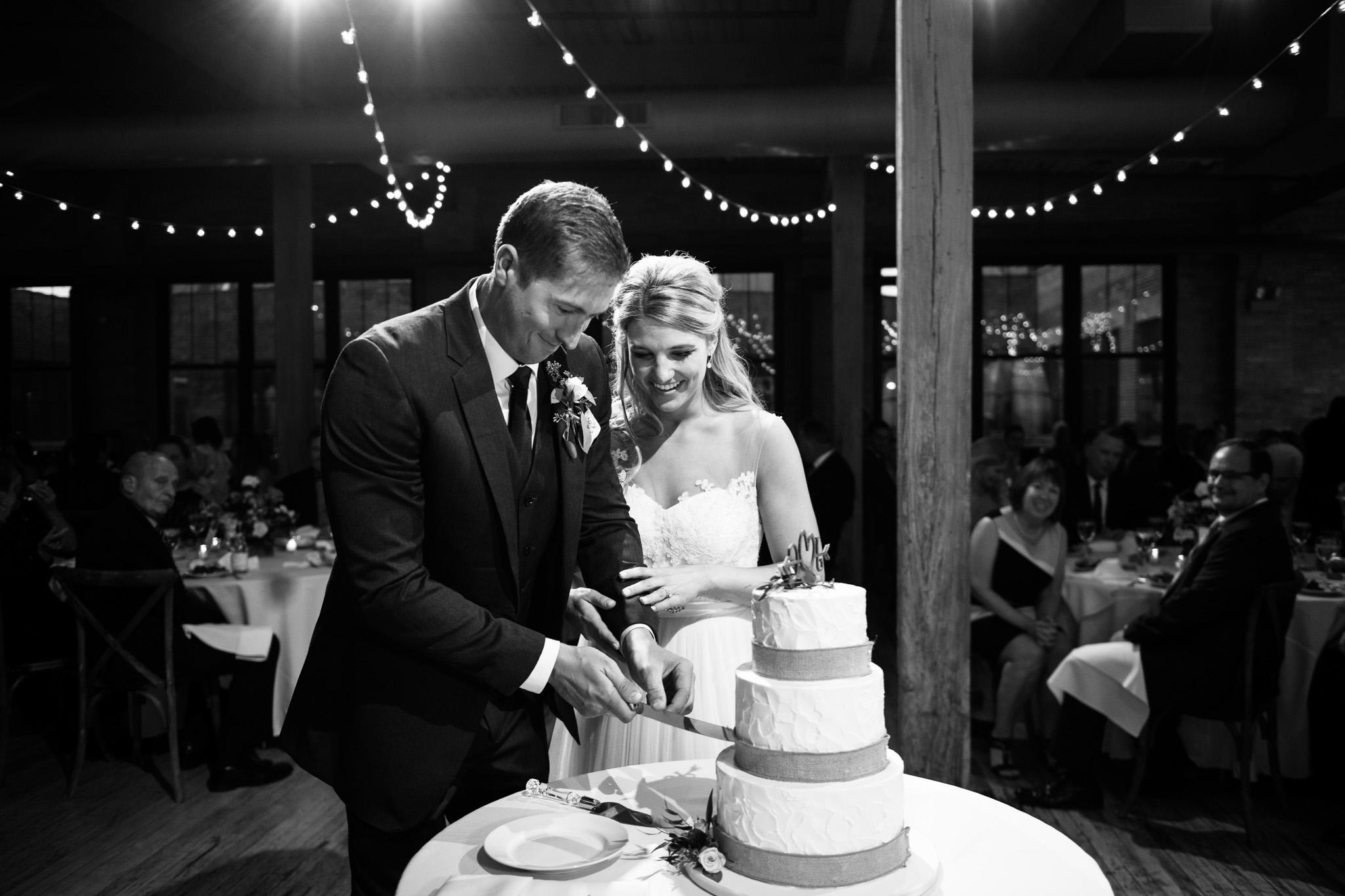 bridgeport-art-center-wedding-photos-34.jpg