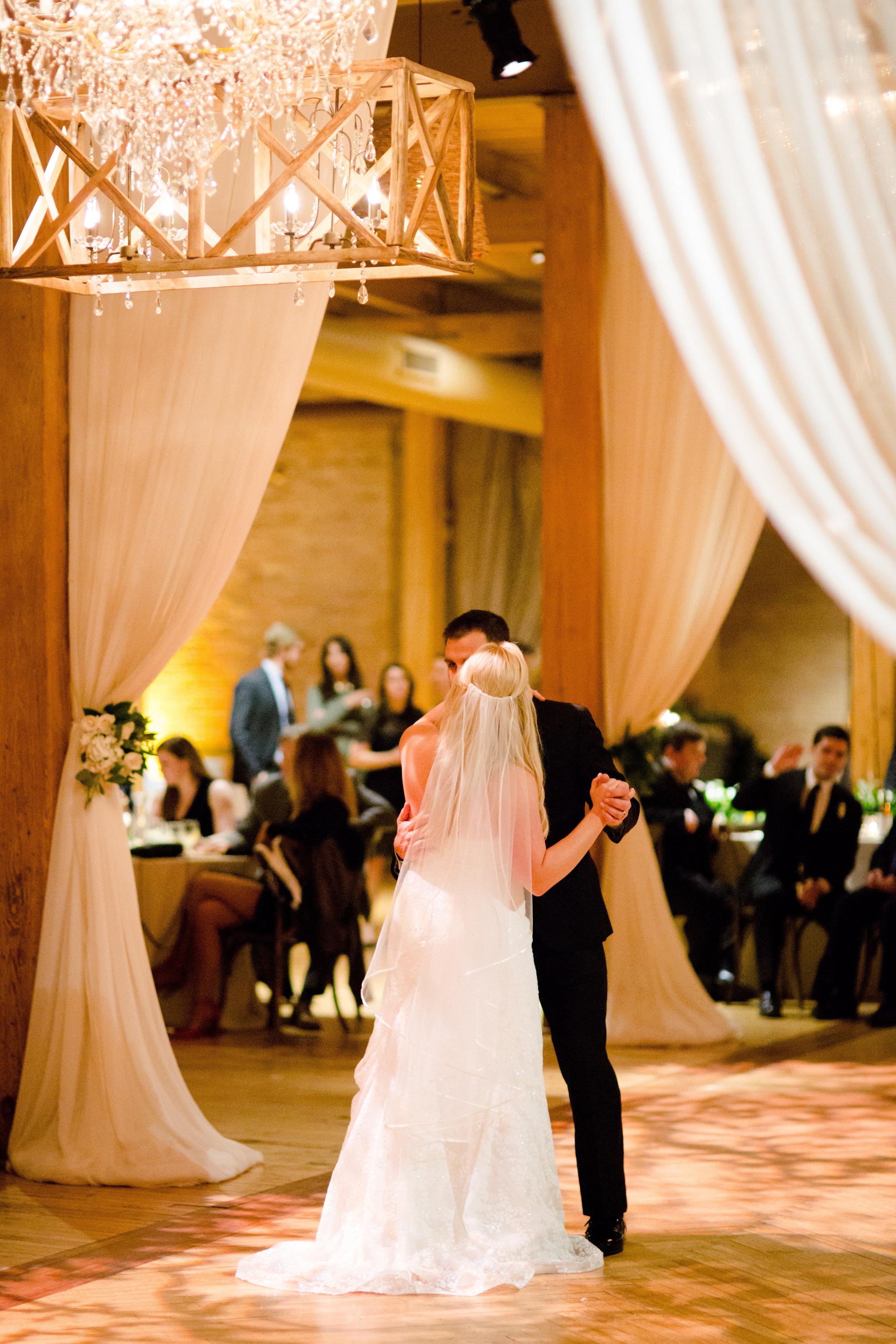 Rustic Bridgeport Art Center Wedding Chicago0117_YT8A2208.jpg