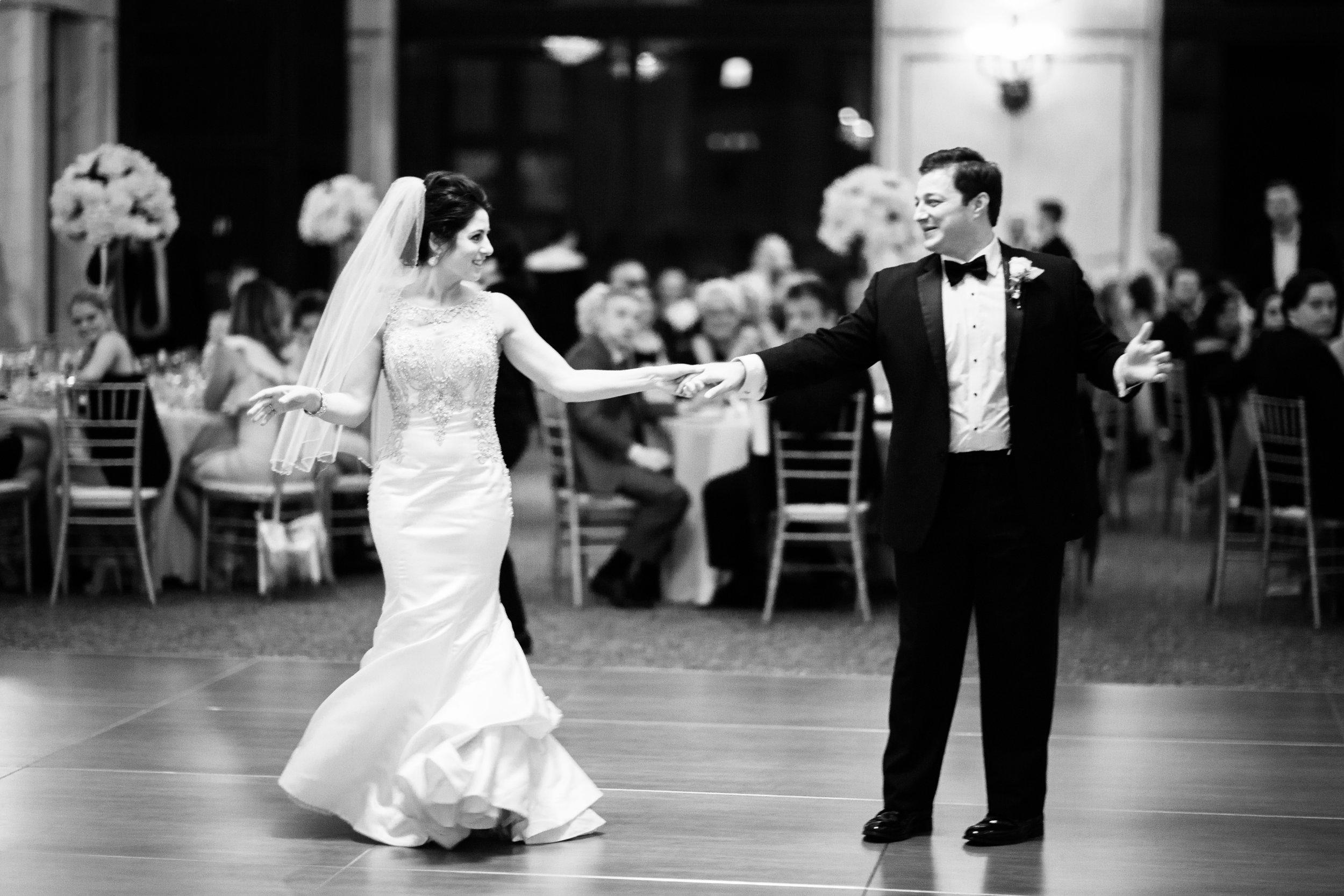 Classic Wedding Chicago Cultural Center54.jpg