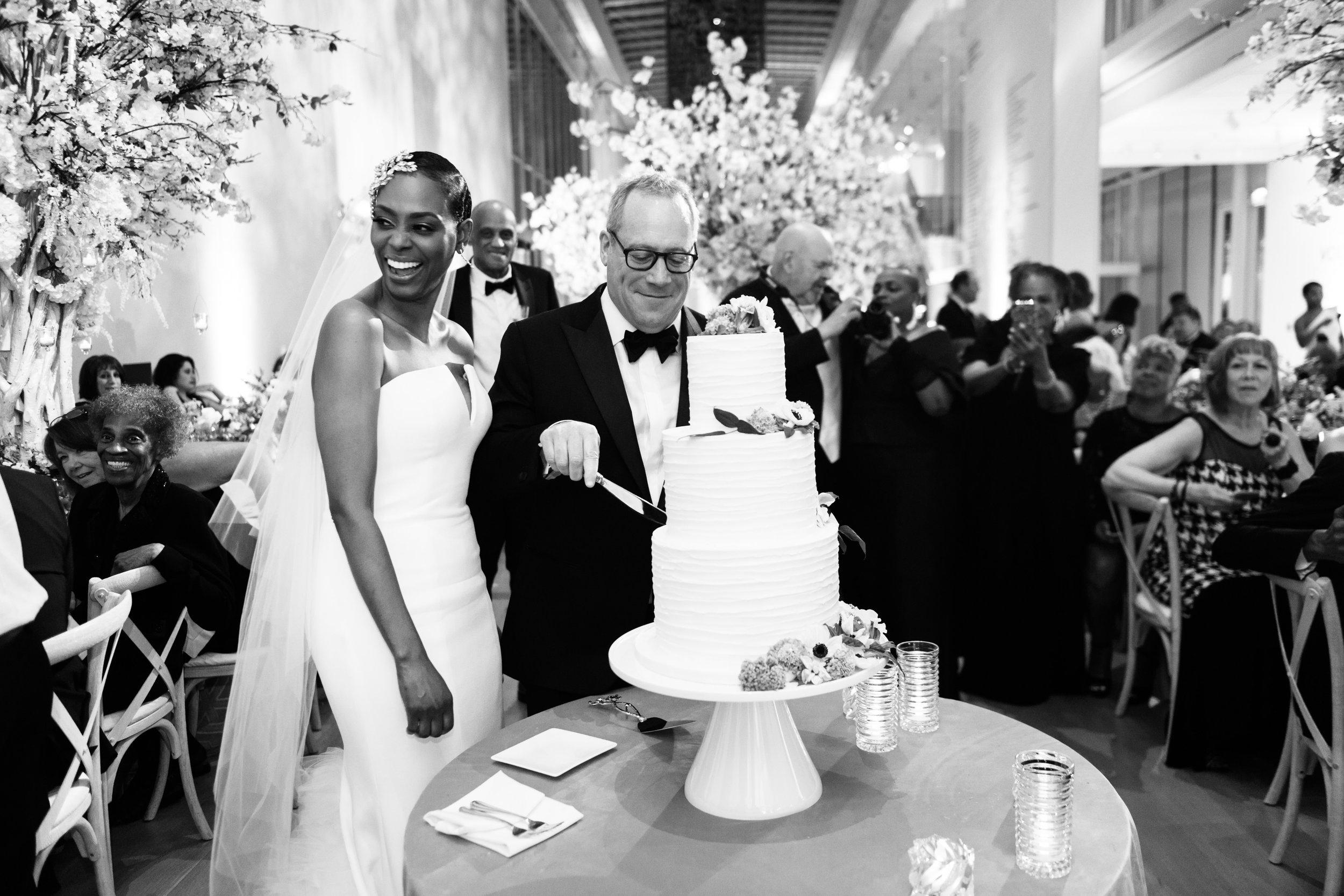 Elegant Modern Wing Wedding at the Art Institute of Chicago50.jpg