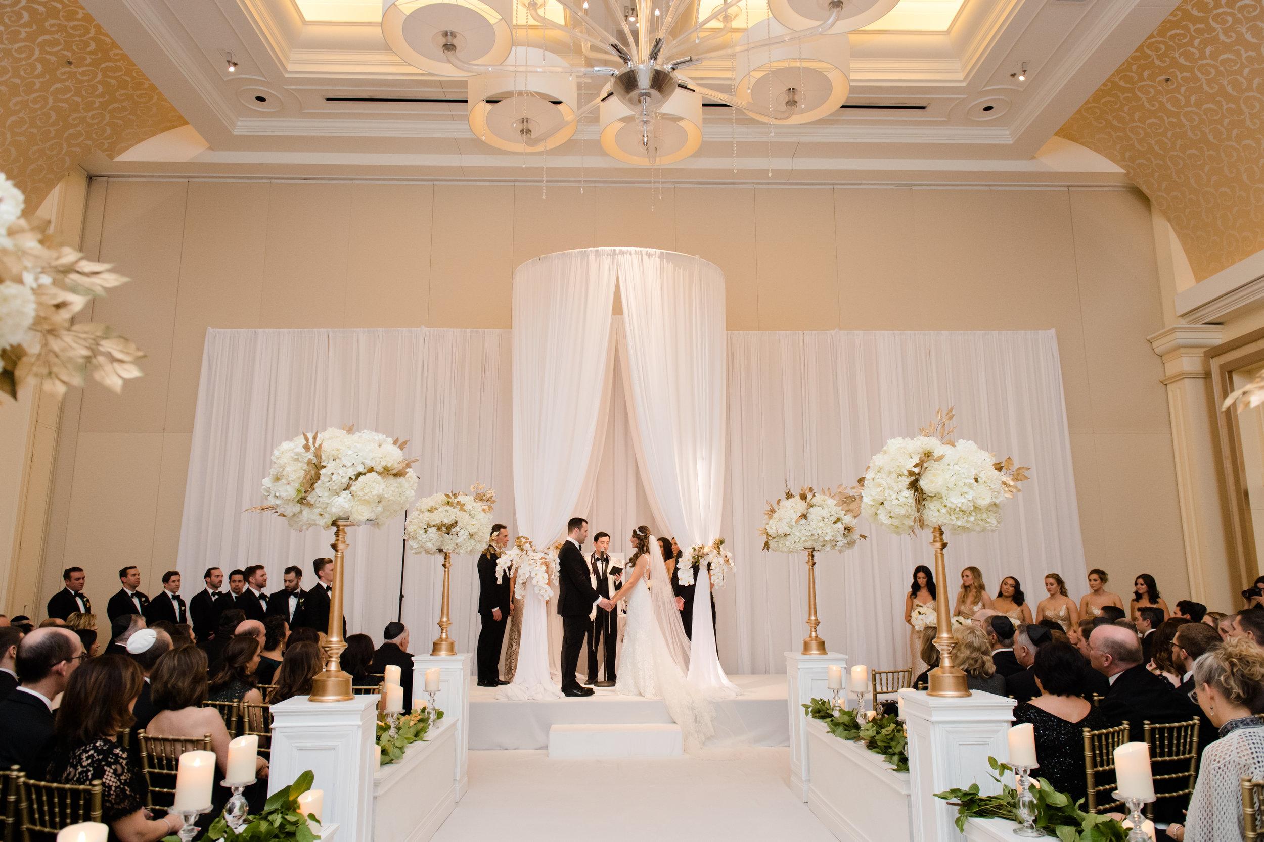 Elegant wedding at the JW Marriott Chicago20.jpg