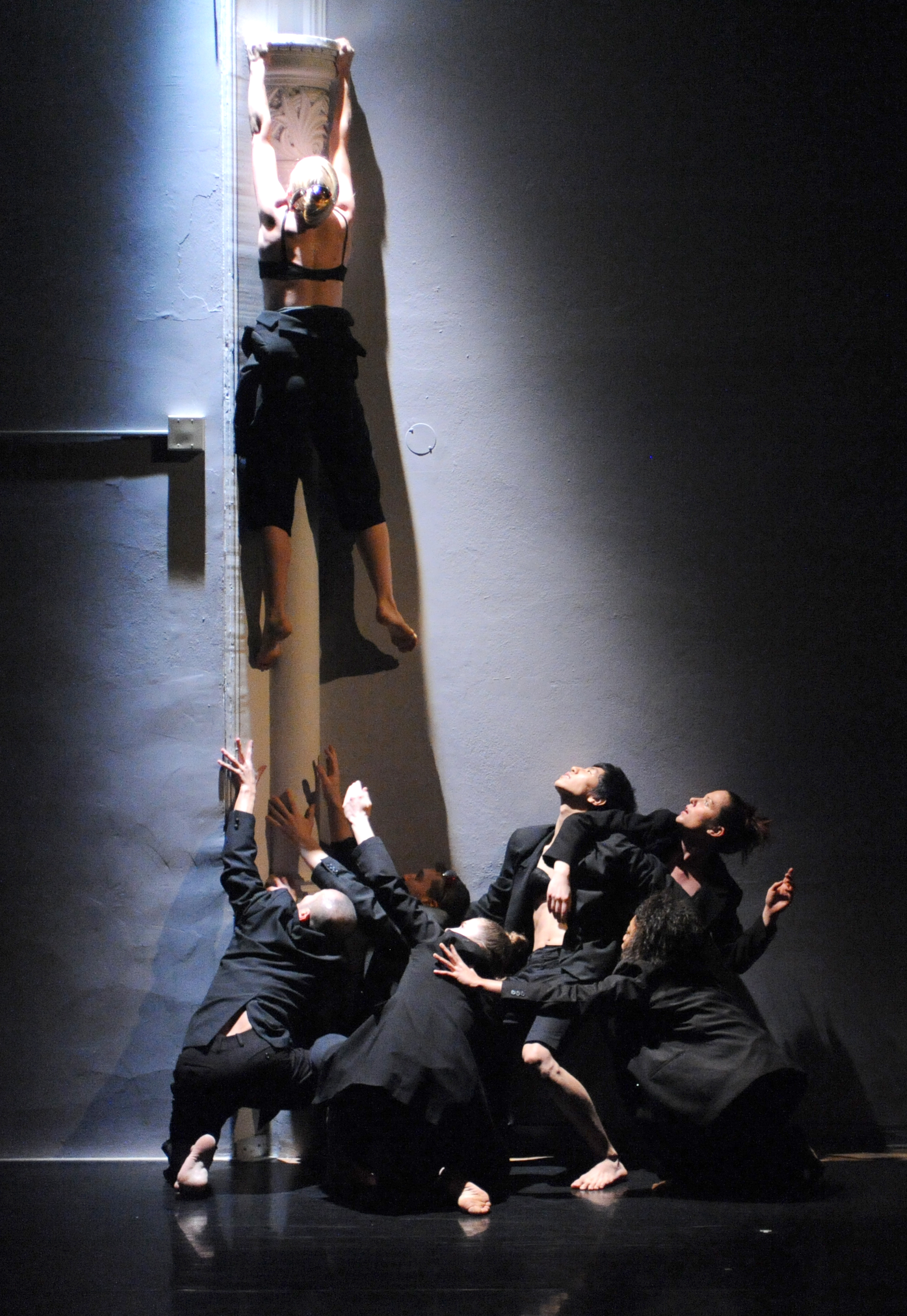 Members of the company in TDT's Four at the Winch Quebec. Choreography by Lina Cruz. Photo by Guntar Kravis.NOW.jpg
