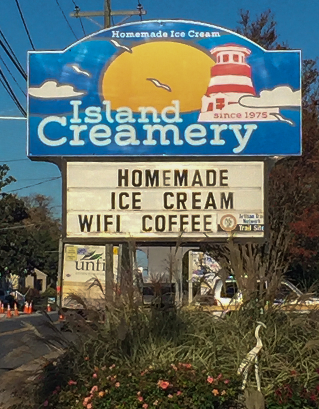 Is there a better sign anywhere, Coffee, Ice Cream and WIFI, I would be 500 lbs if it were down the street.