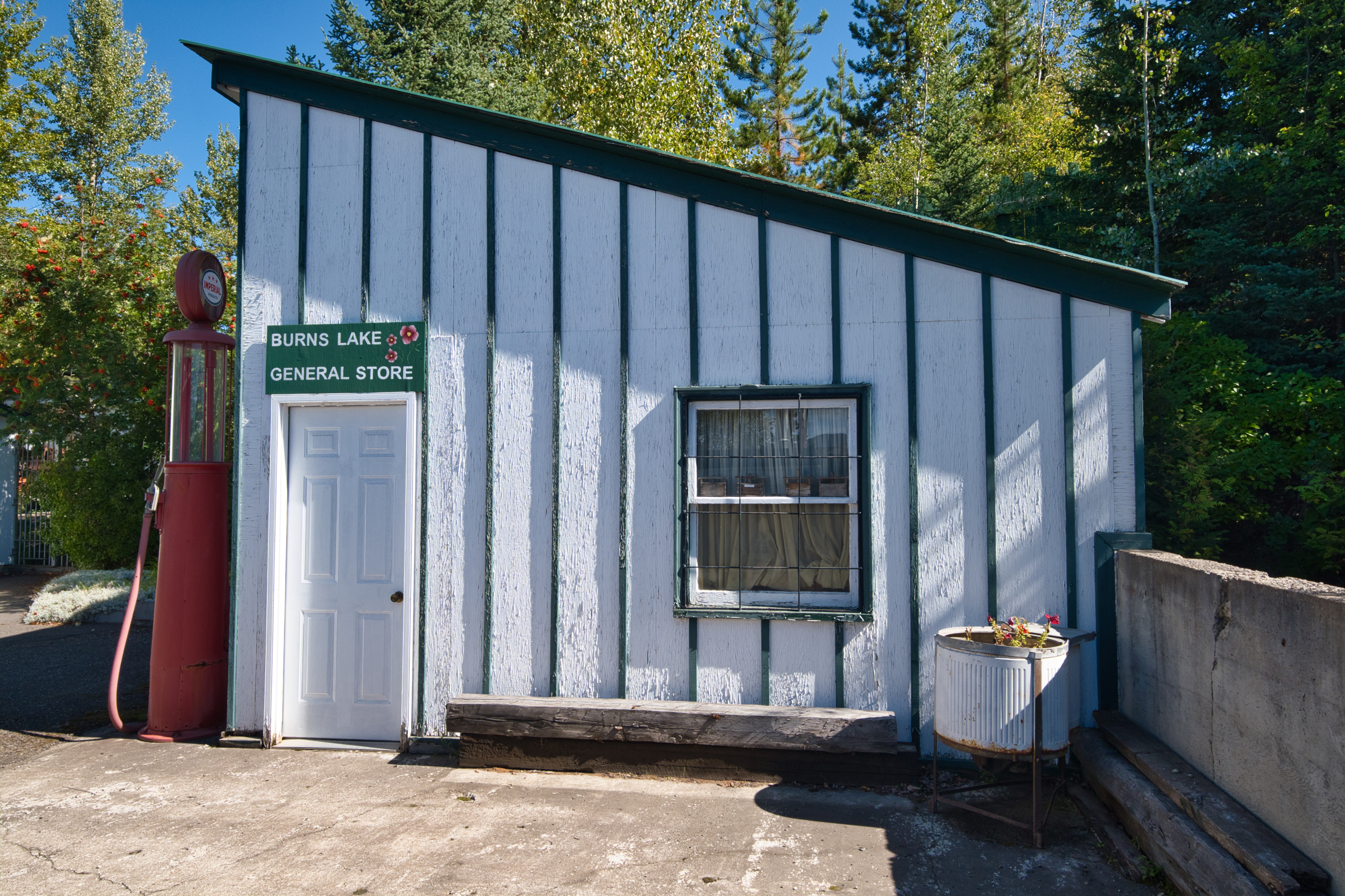 Old General Store along the Yellowhead Highway