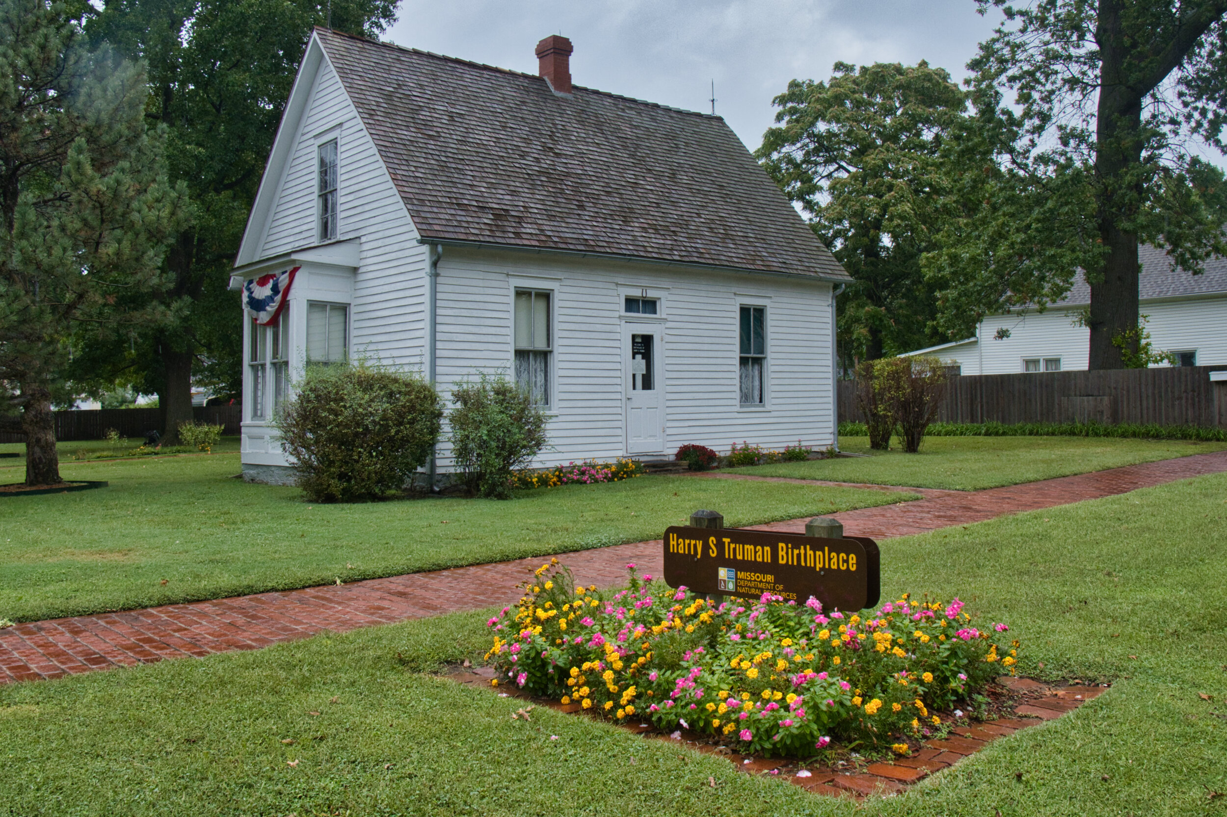 Here is a bonus photo from a couple of days ago when we stopped to see Harry S Truman's birthplace.