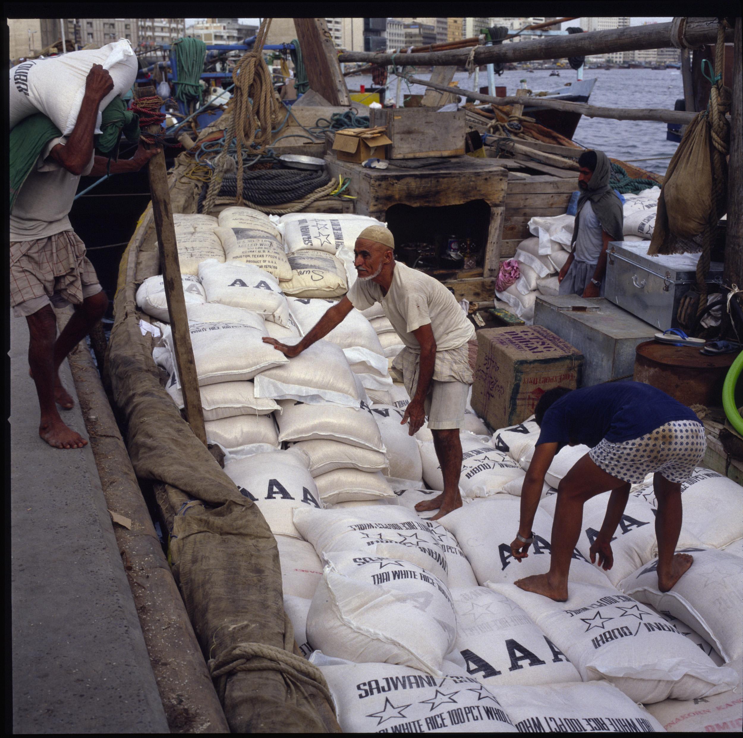Dubai Dhow loading