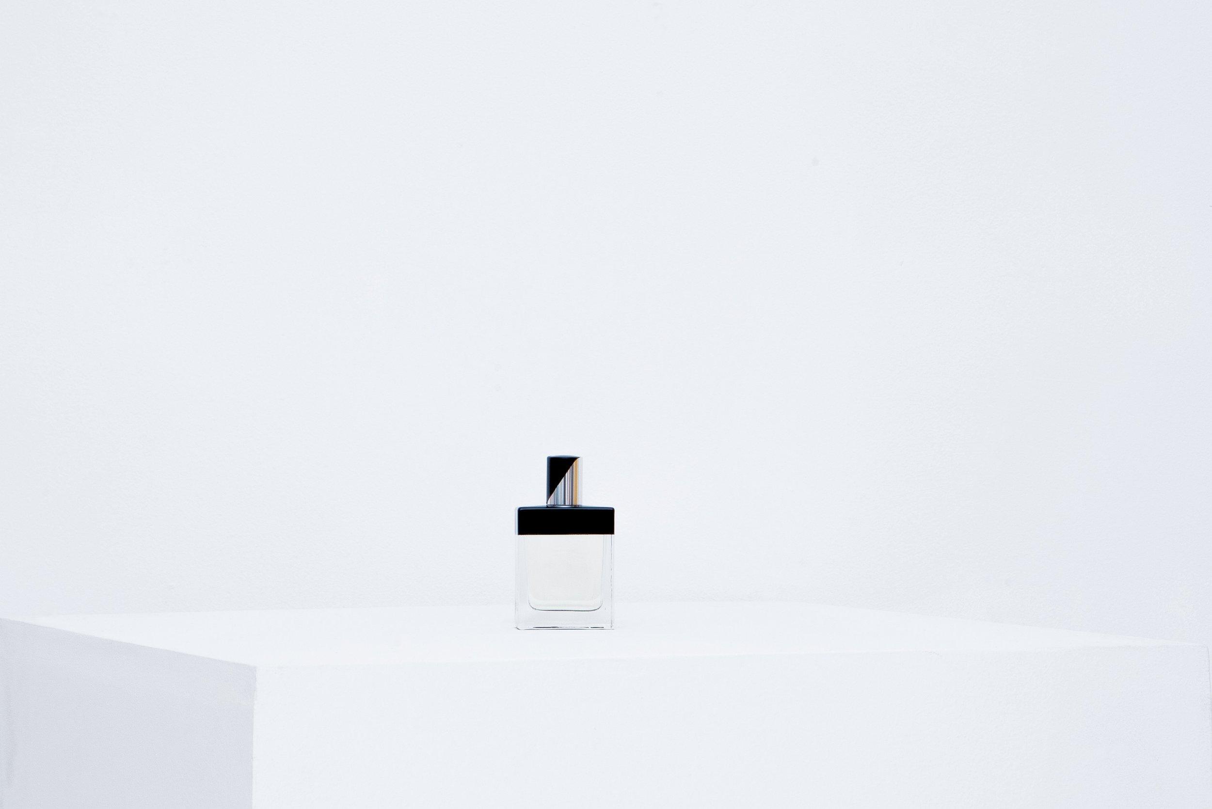 le-cinema-olfactif-enter-the-void-folie-a-plusieurs-parfums.JPG