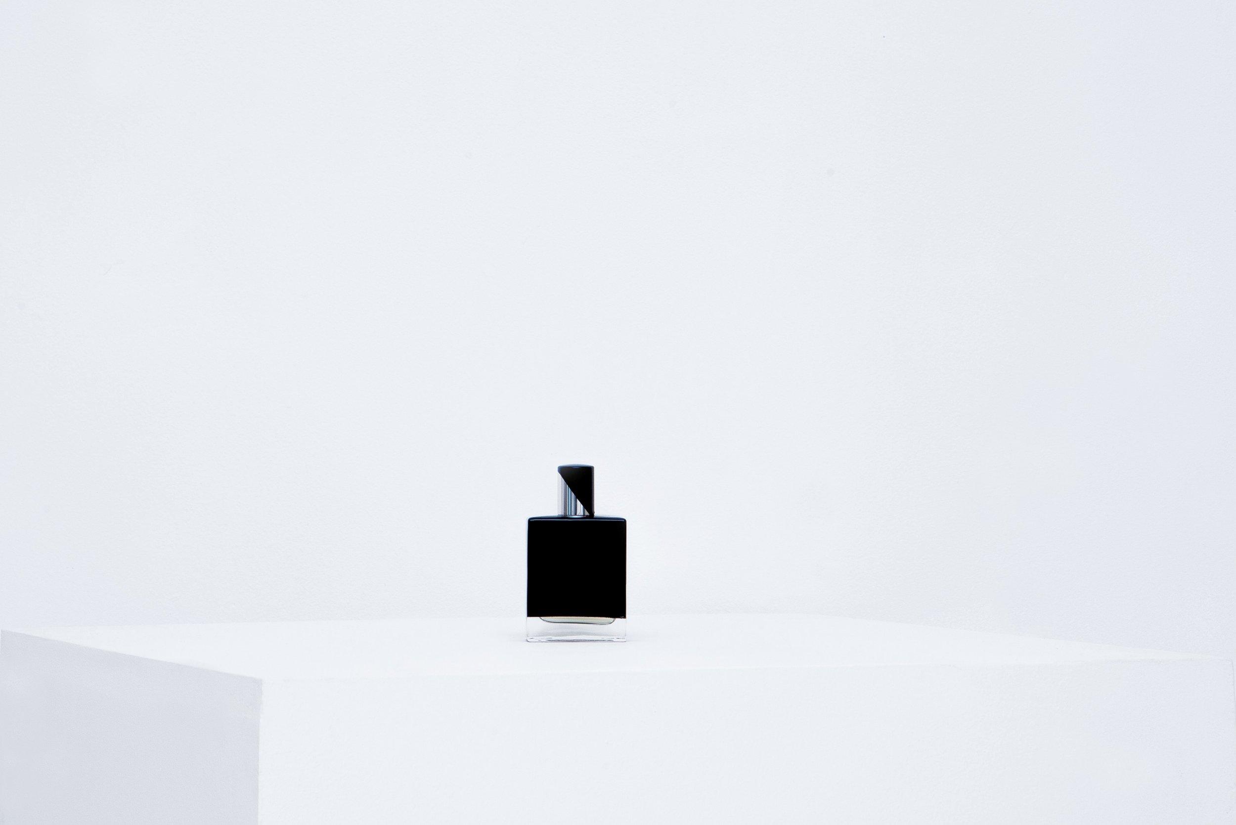 le-cinema-olfactif-la-hane-perfume-folie-a-plusieurs-parfums.JPG