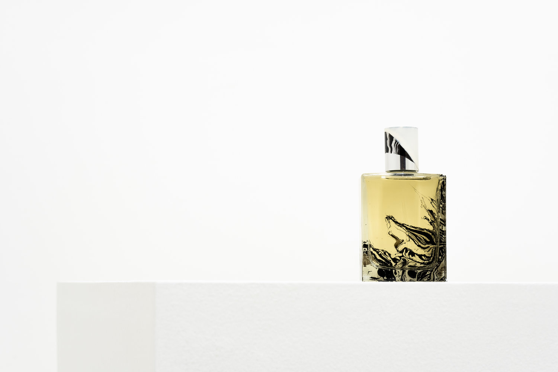 Holy-Motors-Perfume_Folie-A-Plusieurs-Fragrance
