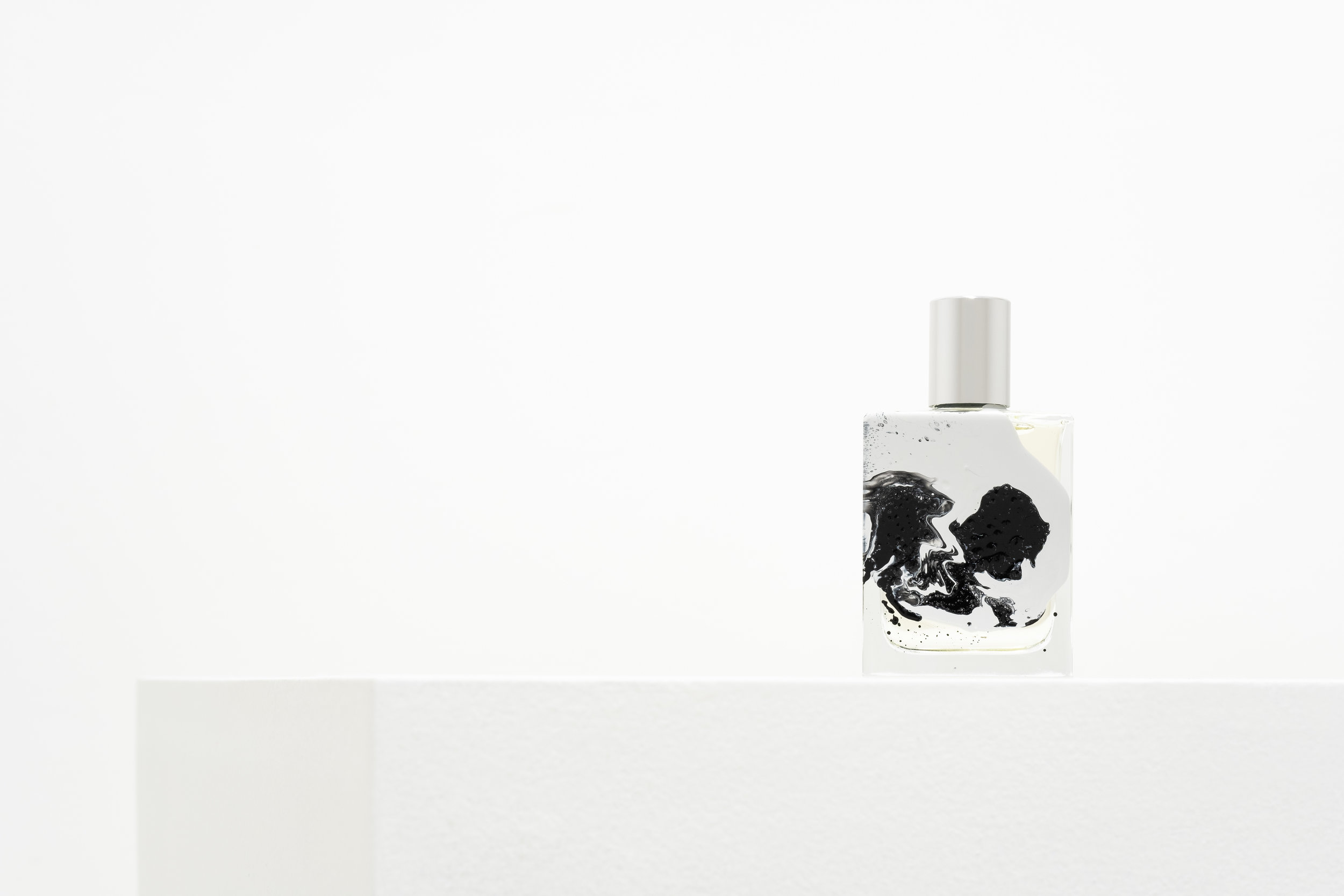 Ente The Void Fragrance by Folie A Plusieurs and Mark Buxton Le Cinema Olfactive Series