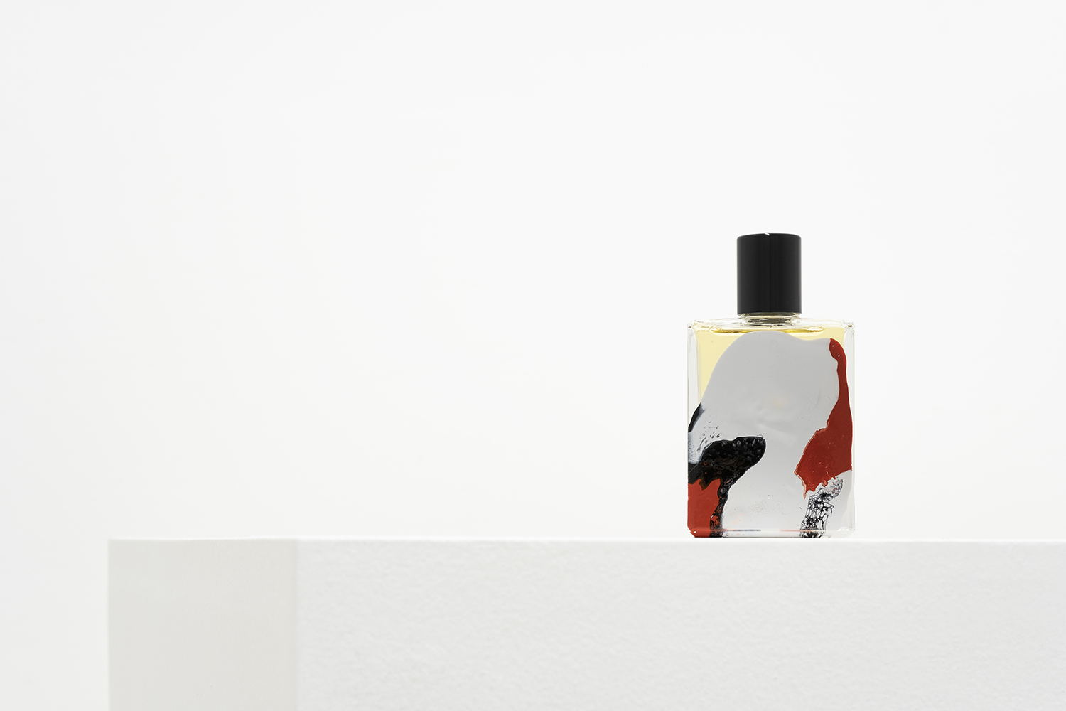 Broken Embraces Perfume by Folie A Plusieurs and Mark Buxton Film Series