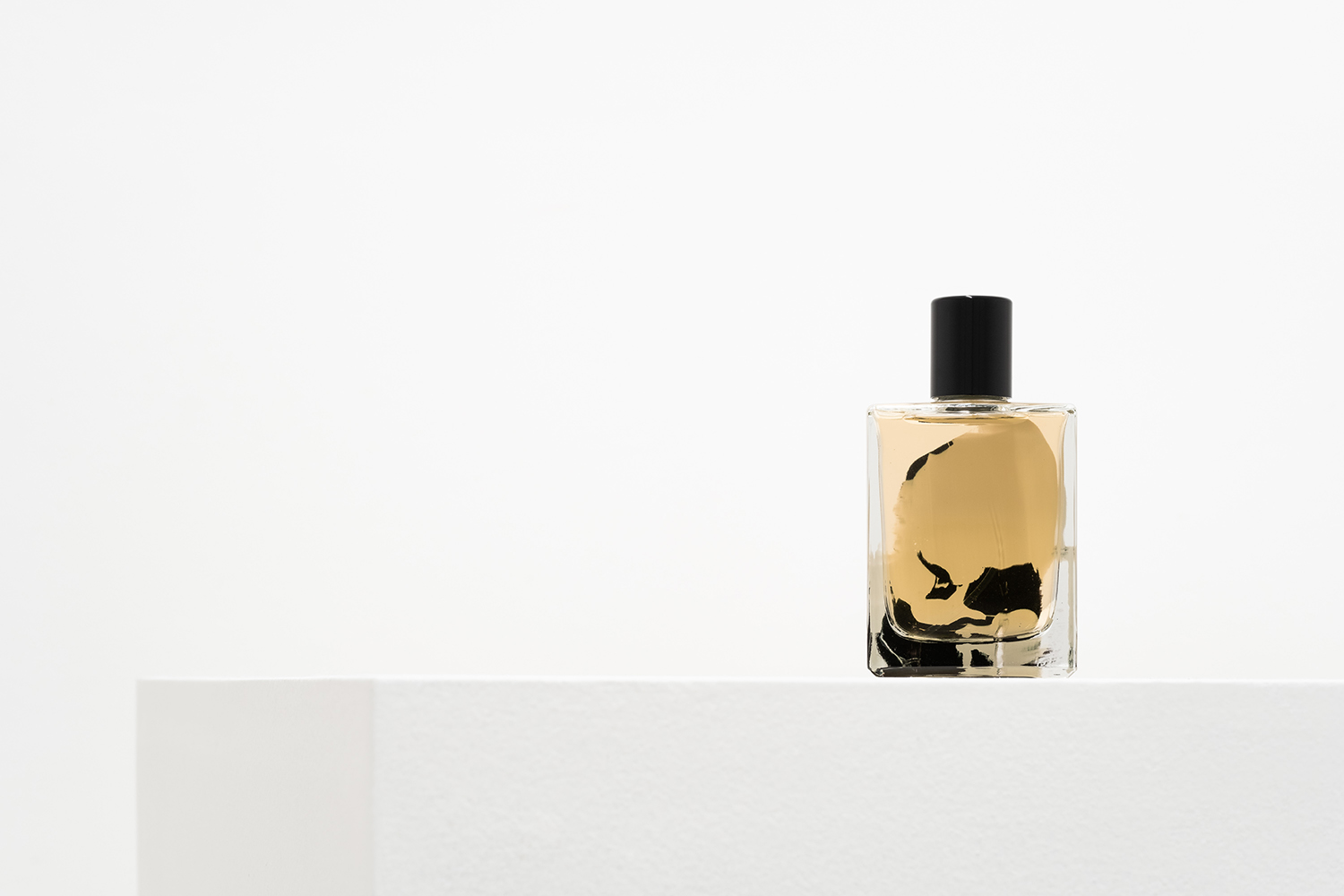 Talk To Her Fragrance By Folie A Plusieurs and David Apel Le Cinema Olfactif Film Series