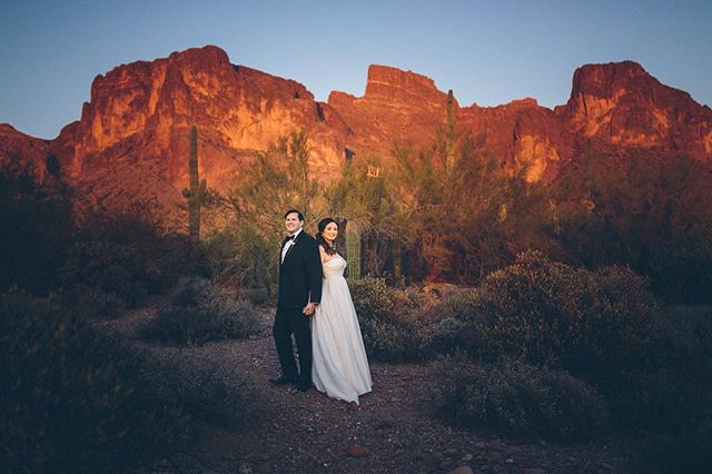 Happy Anniversary to Arion & Eri! #superstitionmountains #superstitionmountainwedding