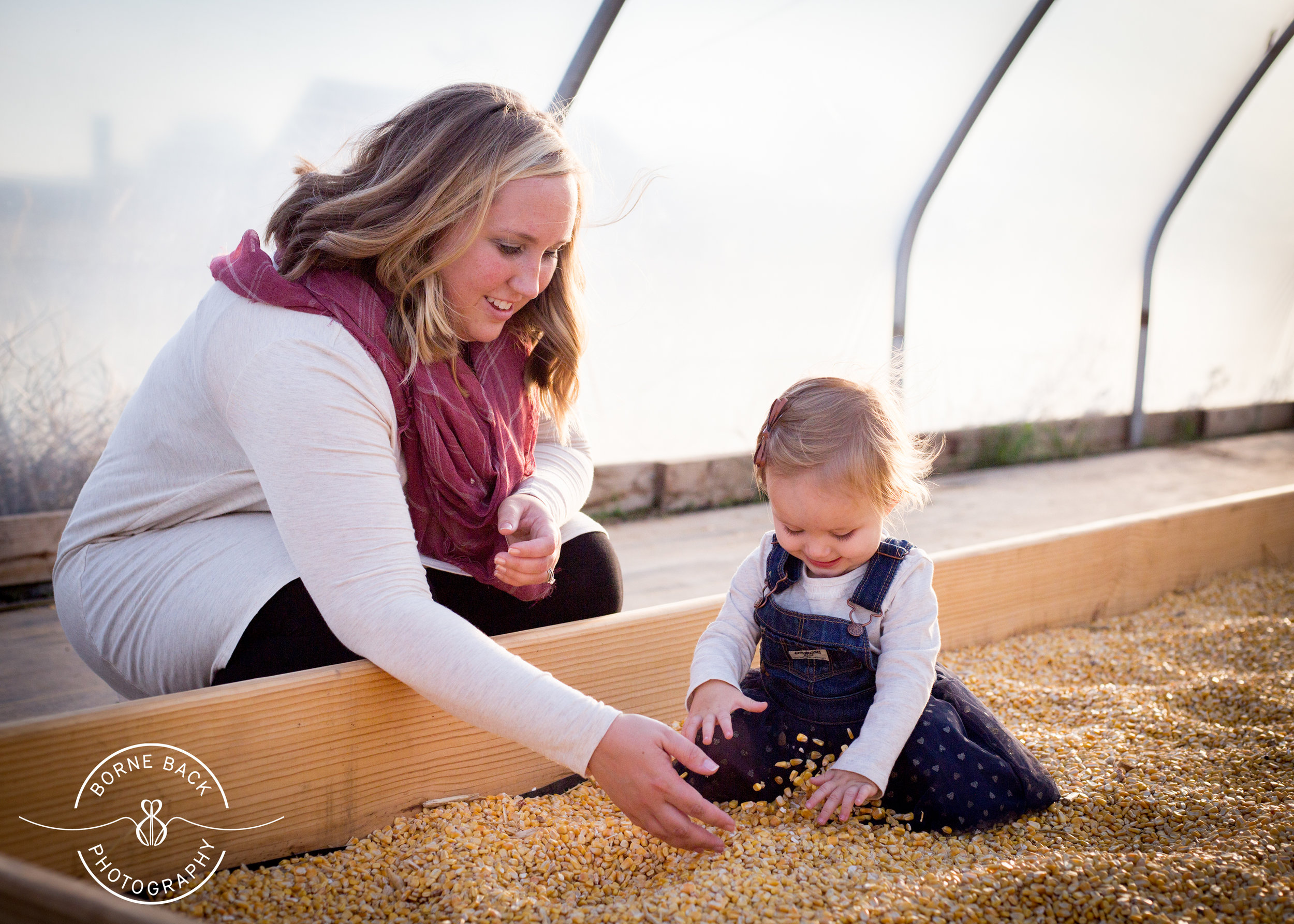 For this session, we visited a local fall farm fair and it is safe to say that this may have been one of the most unforced, natural sessions I've had. Everyone had a great time!