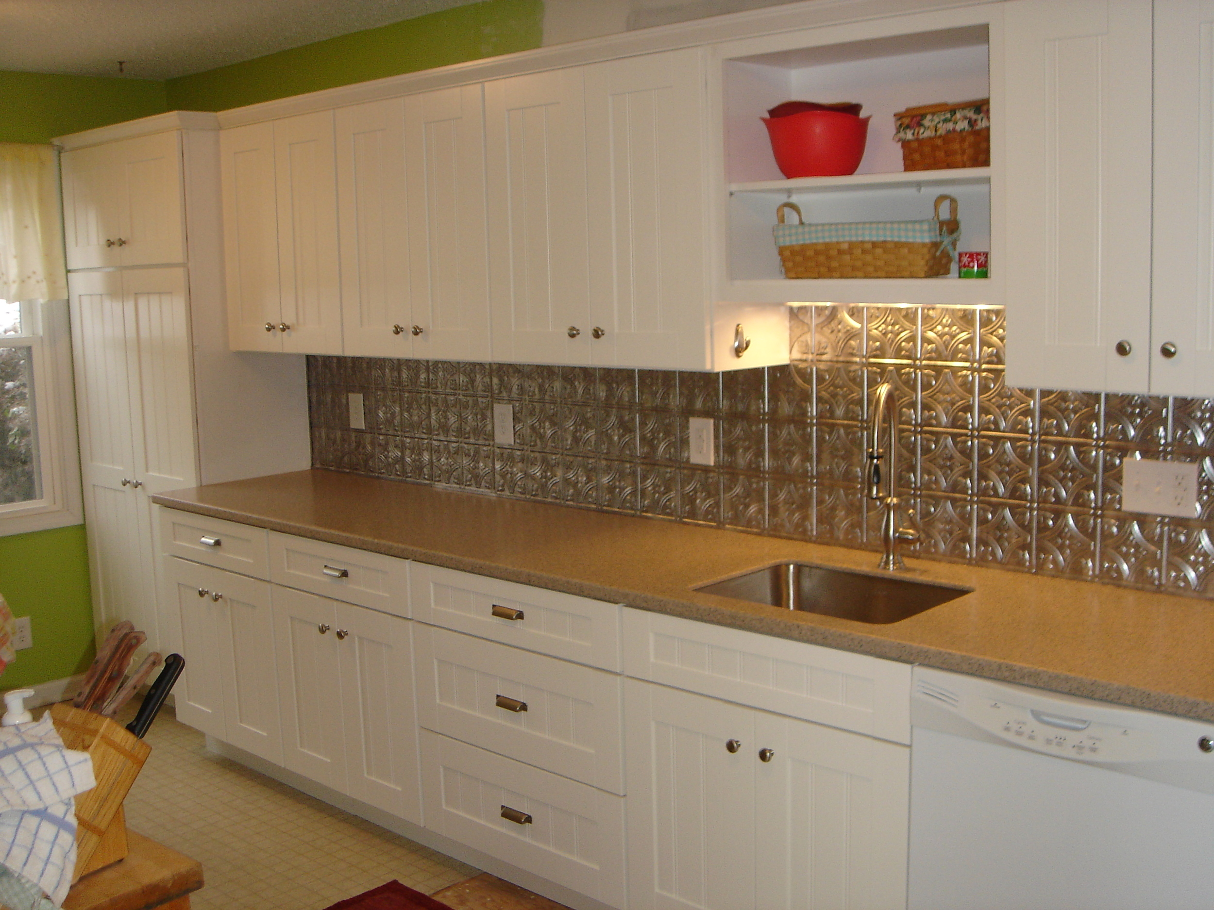 modern-white-kitchen-cabinet-remodeling-ideas-with-beaded-shaker-frame-door-using-stainless-steel-knobs-and-stainless-steel-rectangular-undermount-sink-with-small-kitchen-remodeling-ideas-plus-wood-k.jpg