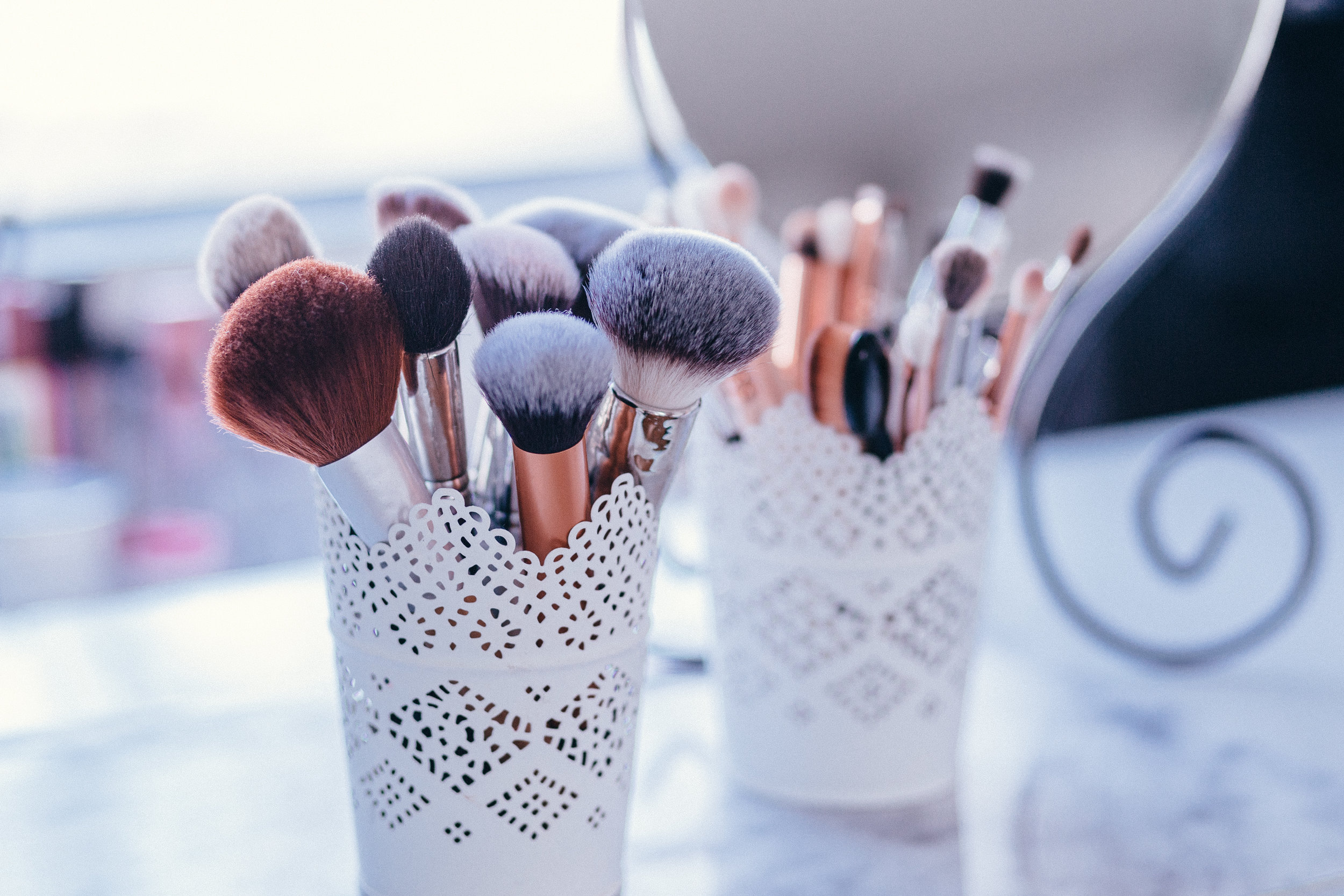 Beauty - Hair Salons, Cosmetics, Make-up Artistry and anything beauty-orientated. We know that your clients are the main focus.We can manage your IT so your clients can relax, book future appointments, pay when required and enjoy your service experience.
