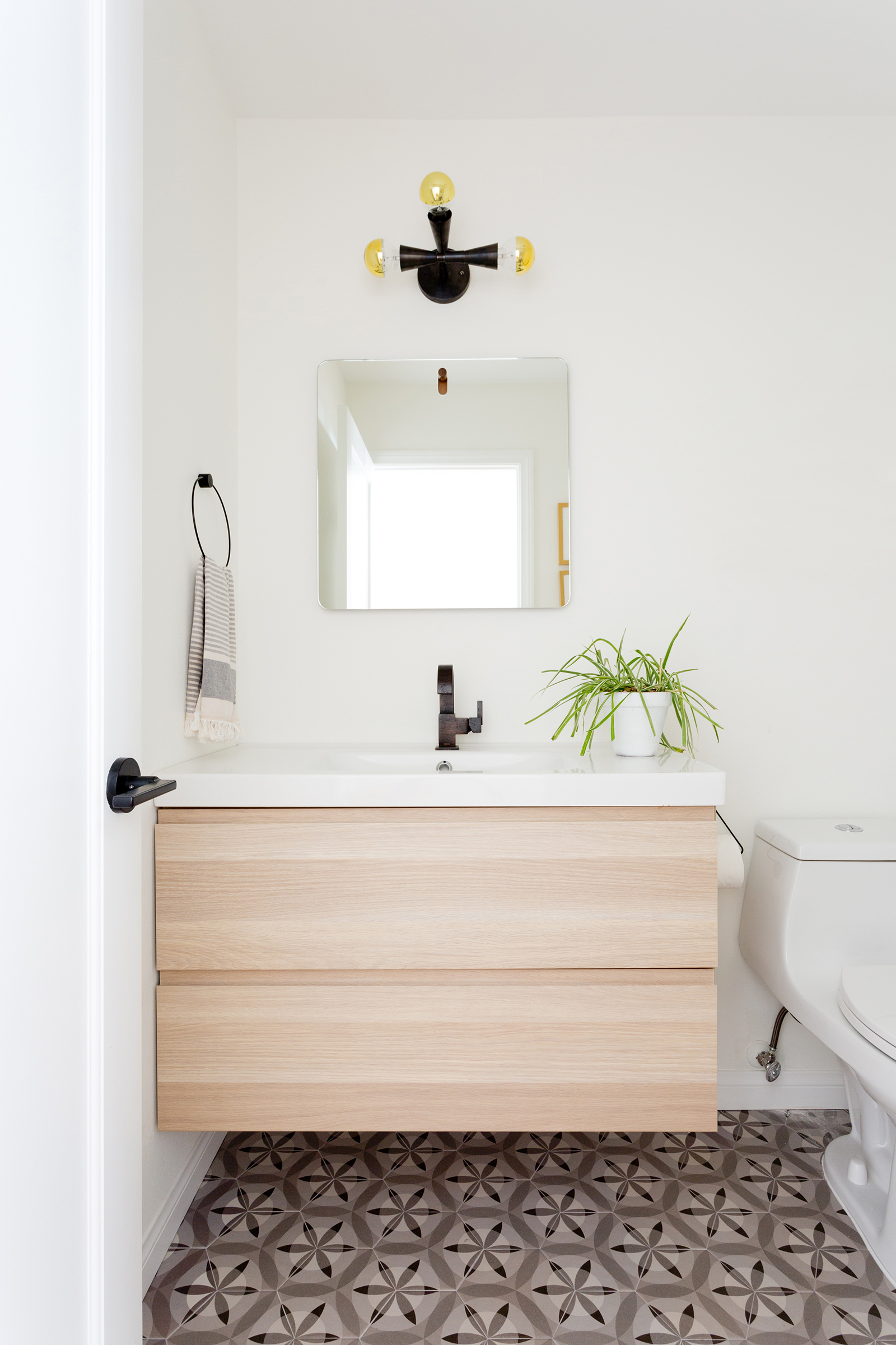 Modern bathroom design by Carly Waters Style