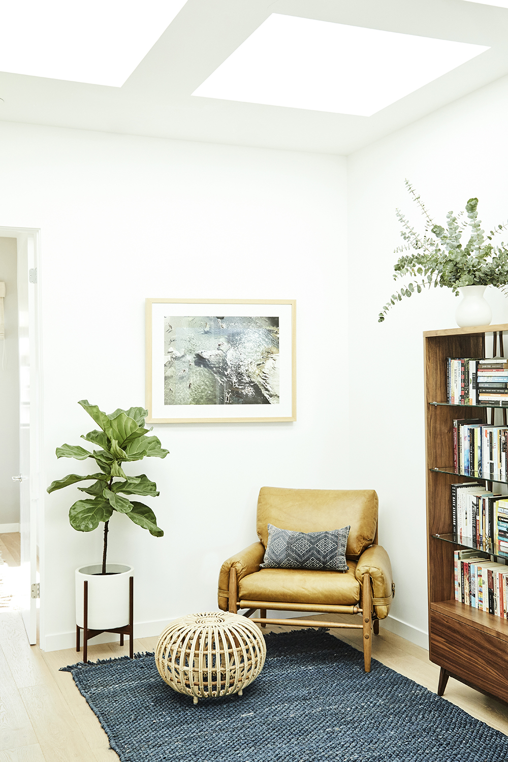 Warm minimalism interior design by Carly Waters Style