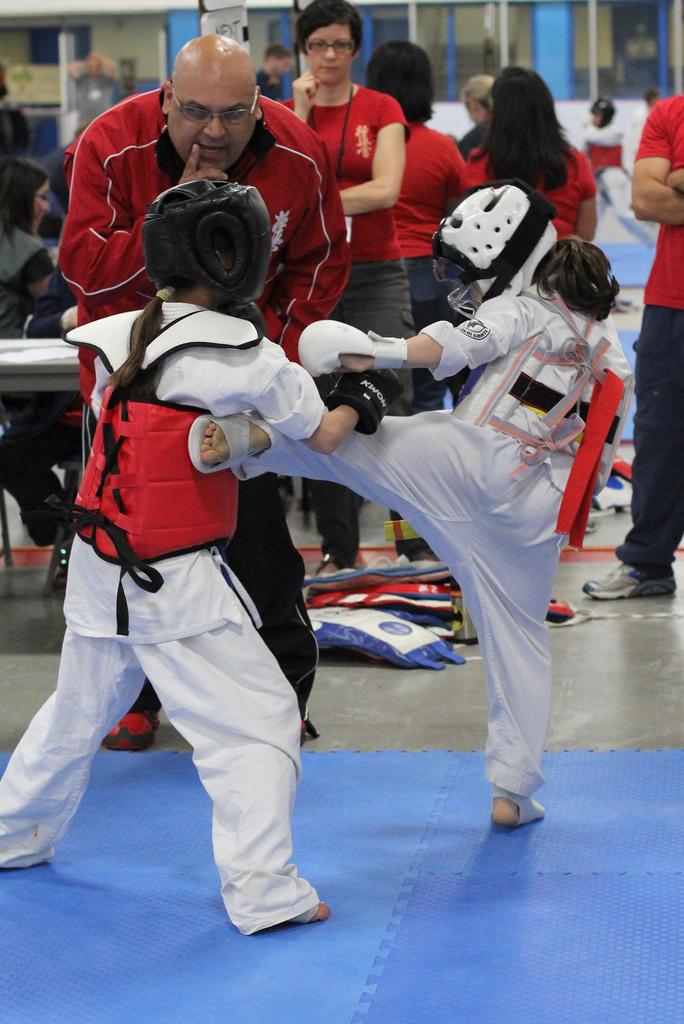 juniorsfighting.jpg