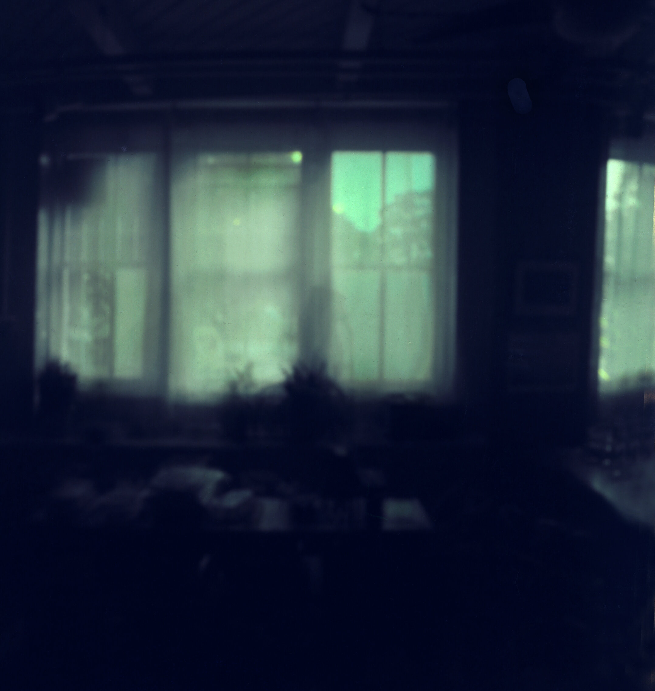 A recent pinhole with a camera that has been part of the project from the beginning. Curious because you can see through the windows. I don't understand why because the curtains are opaque and mostly stay closed.