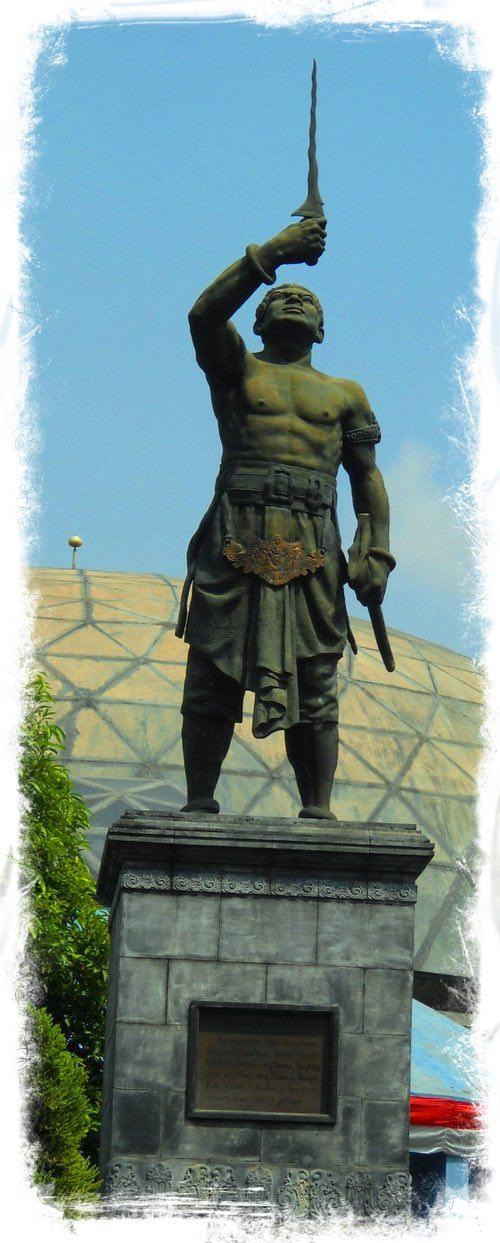 Statue of Gajah Mada