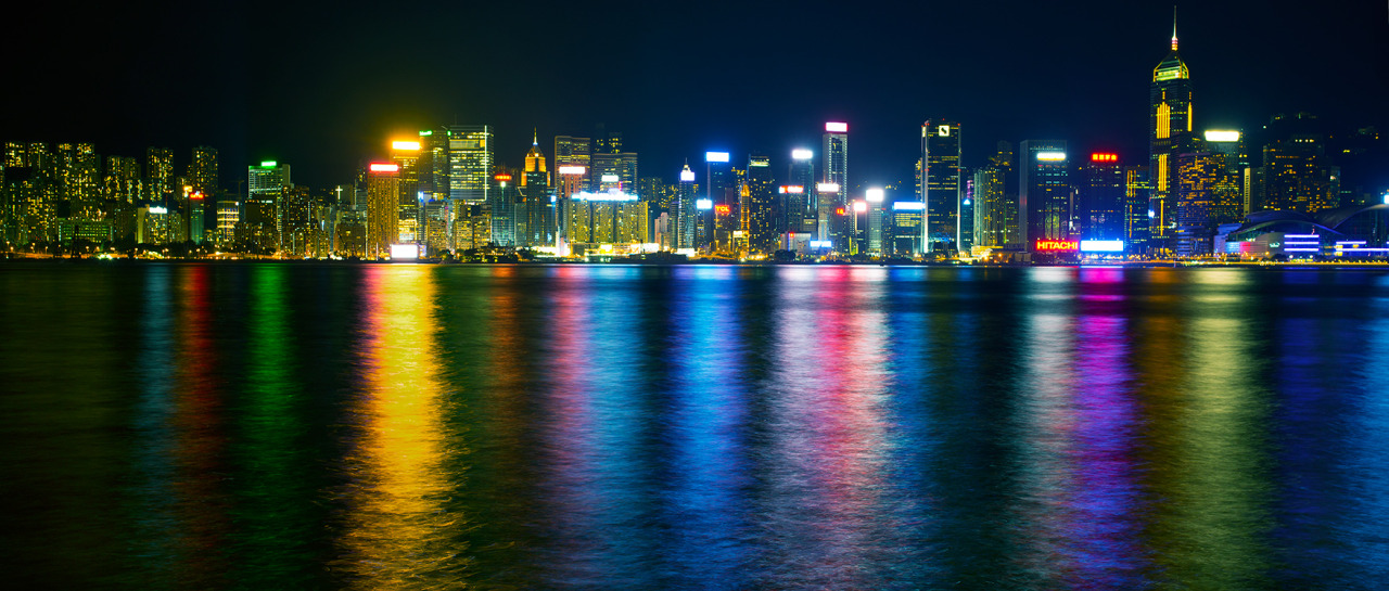 Hong Kong with a 30sec exposure- lots of beautiful colours playing on the water. For sure there is an evening of shooting and experimenting in those reflections alone.
