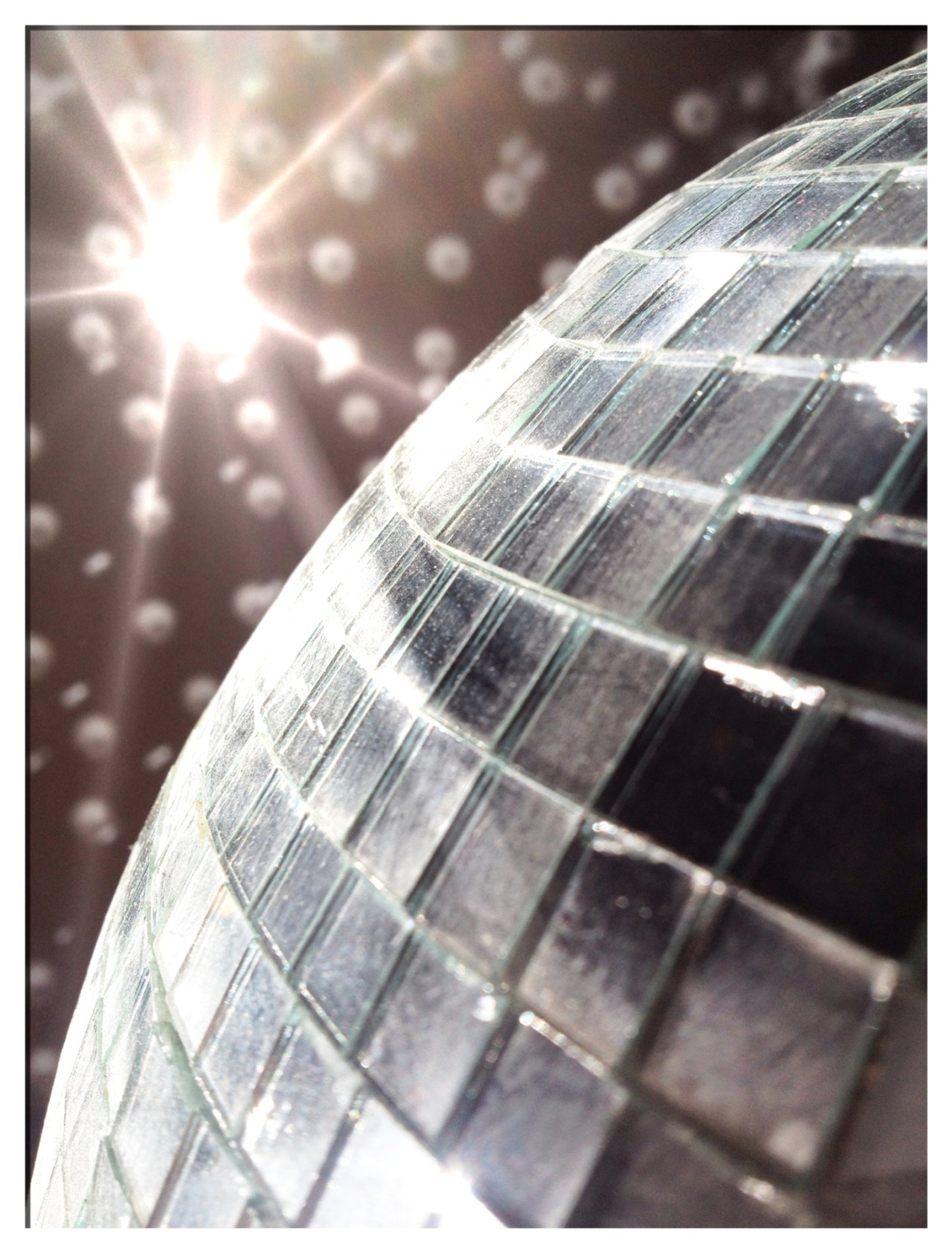 Funky times on a recent shoot - disco balls, streak filters and 1k Xenon lamps.  The 1k Xenons proved the right tool for nice crispy patterns across the background and played nicely with the streak filter on the camera. Examples to follow a couple of months from now…..