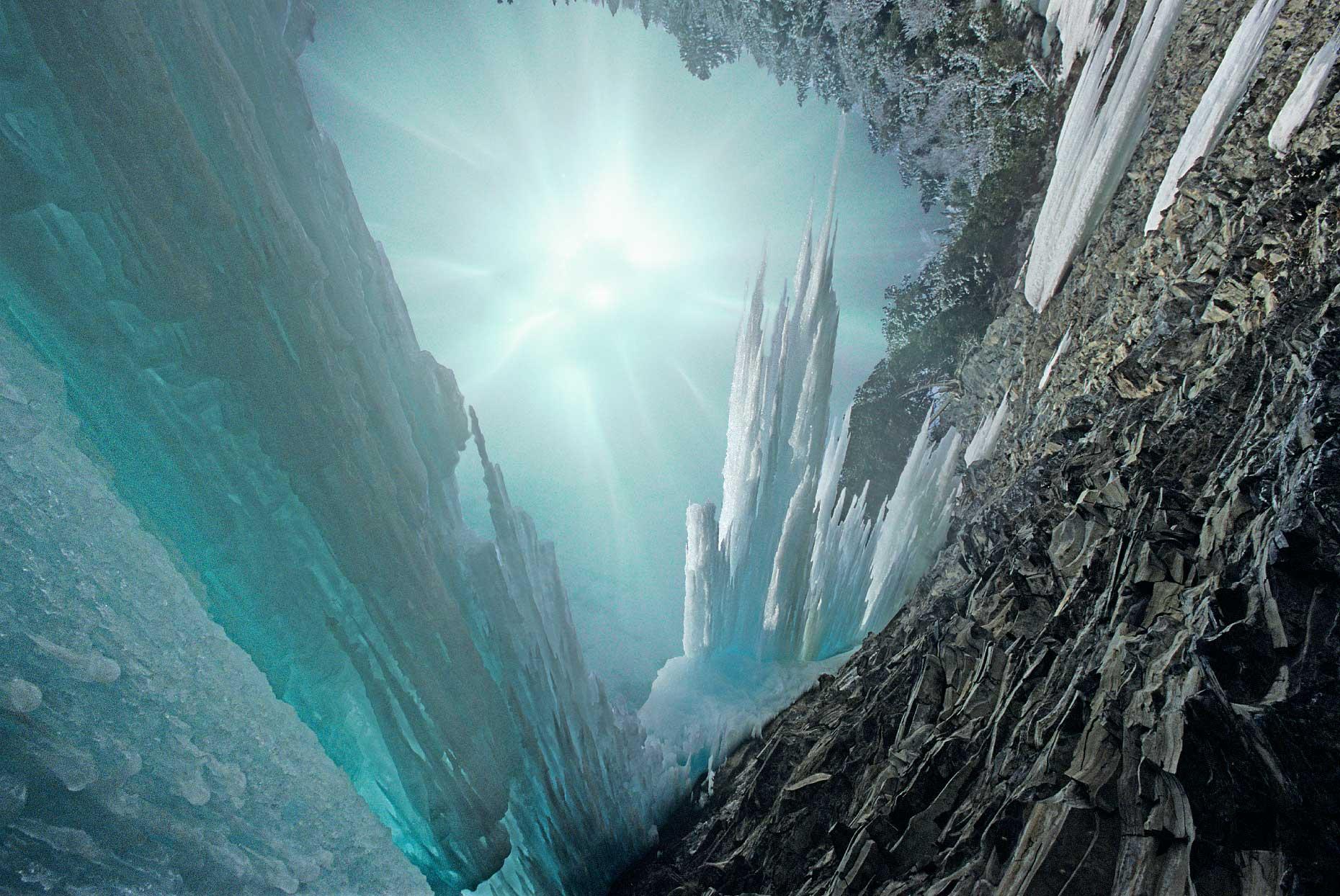 frozen_waterfall-copy3_web.jpg
