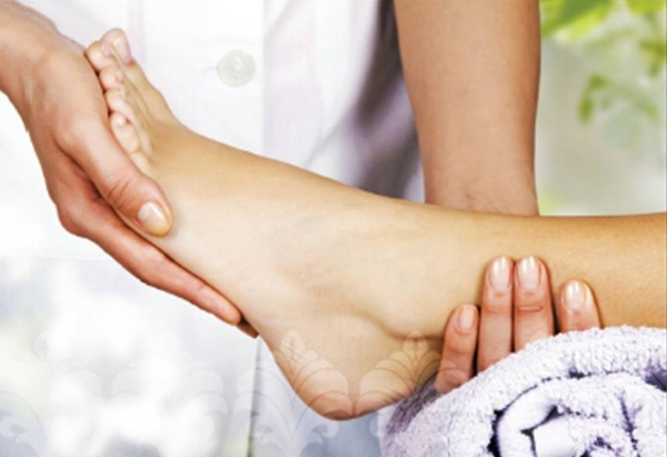It is worth spending a few minutes each day looking after your precious feet, preferably using the purest, most nutritious skin care available.