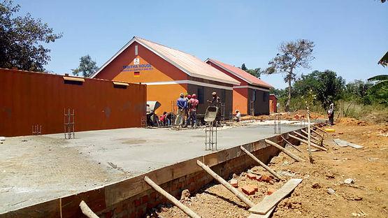 10 - Bauarbeiten Pre-Schule Uganda.jpg