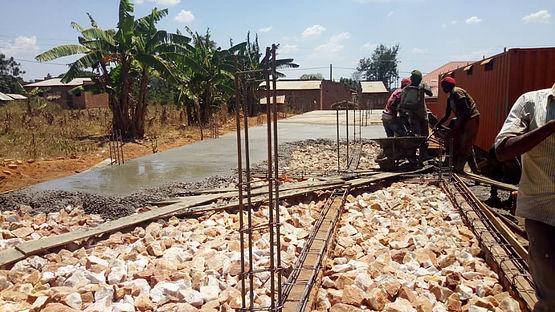 17 - AIC Schule Spendierung Uganda.jpg